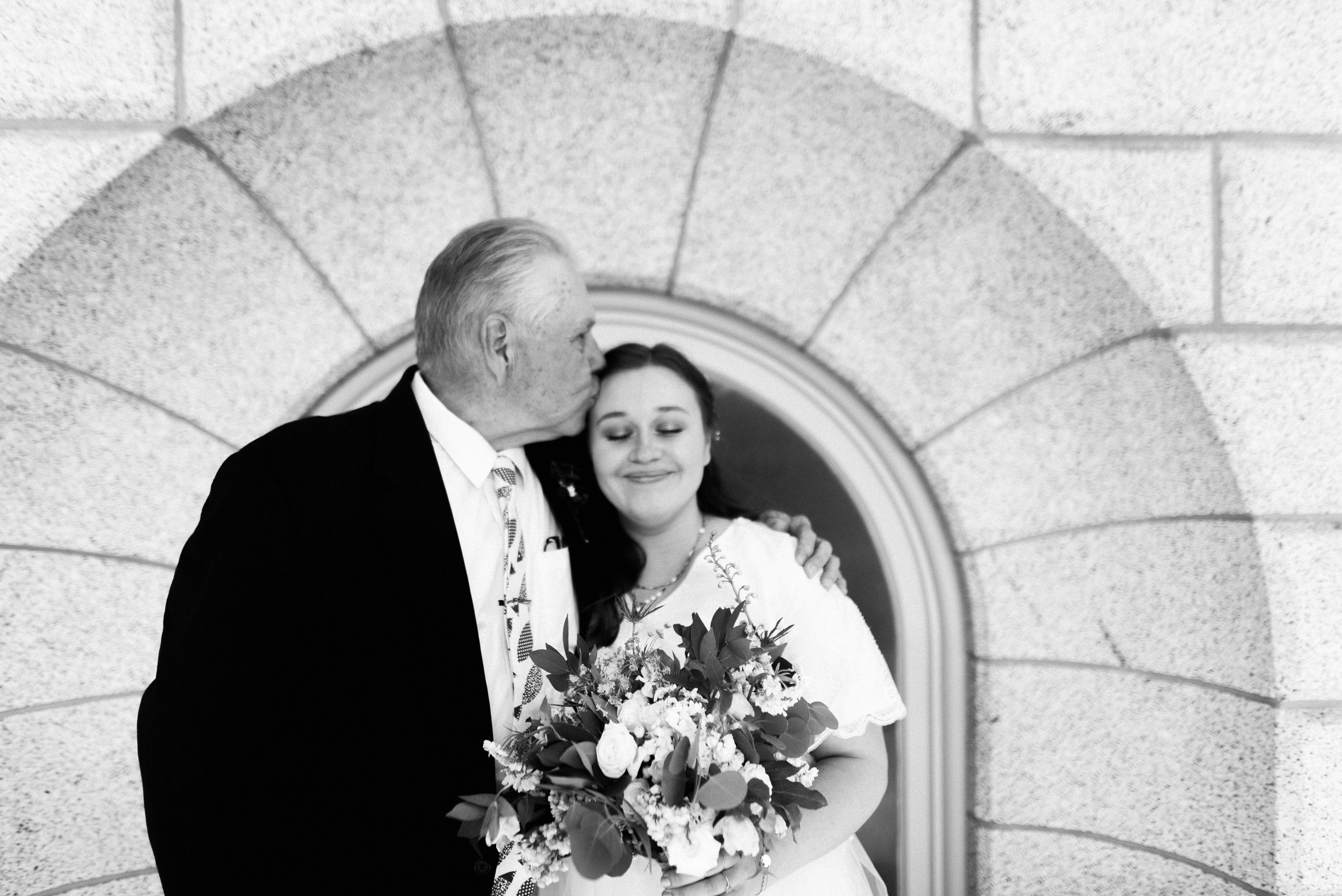 salt lake temple wedding_alyssa sorenson-41.jpg