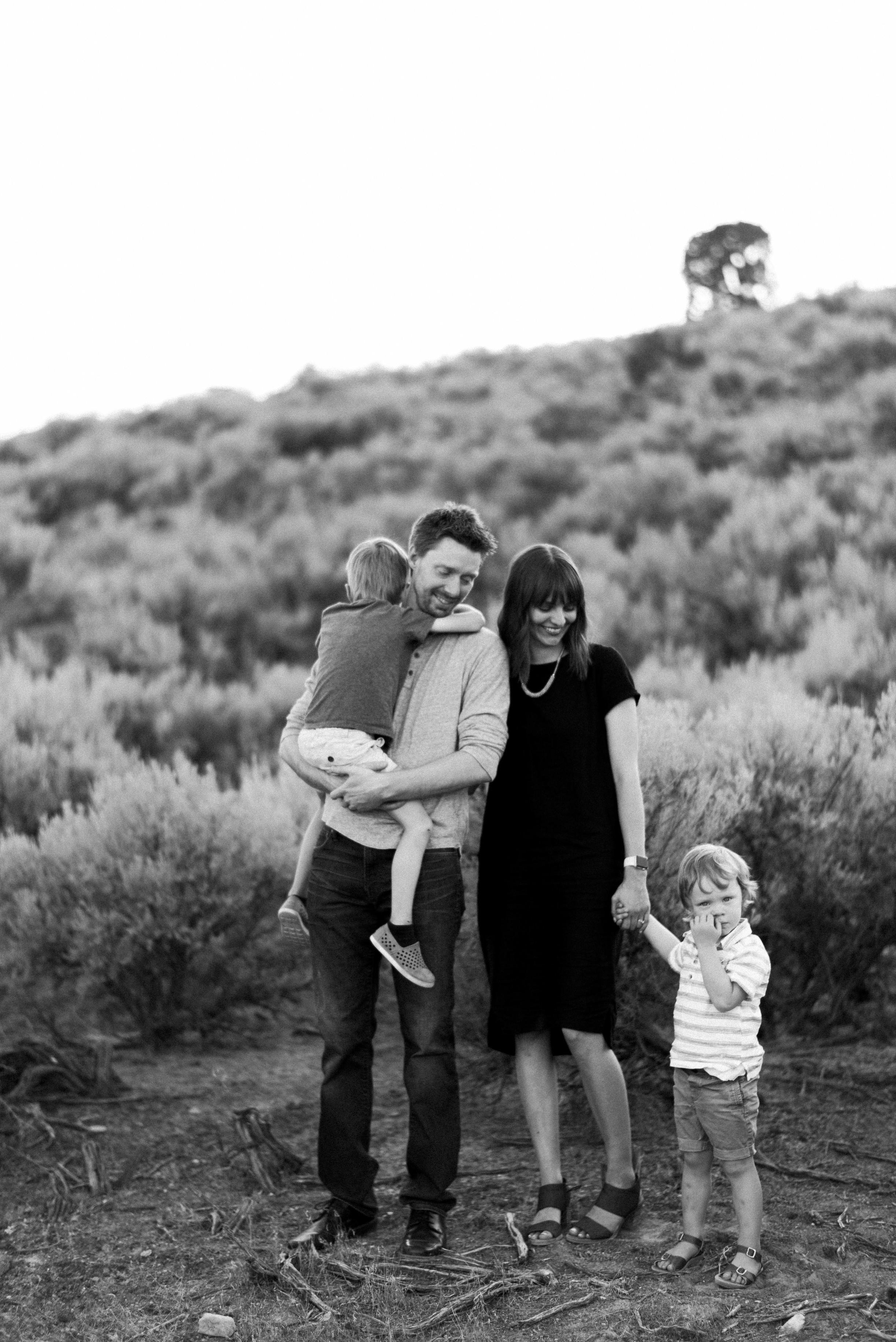 desert family photos utah alyssa sorenson-20.jpg
