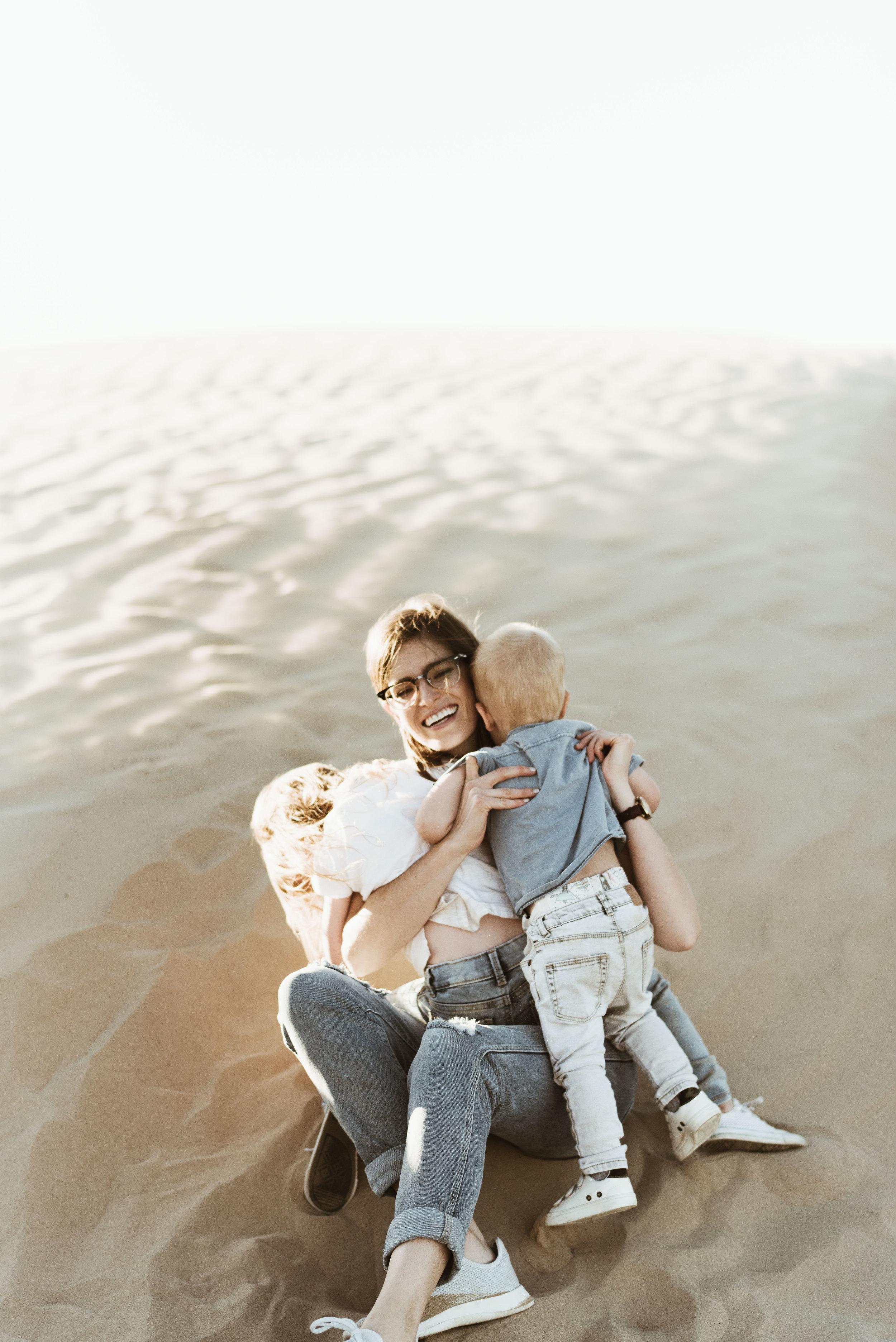 alyssa sorenson sand dunes family-35.jpg