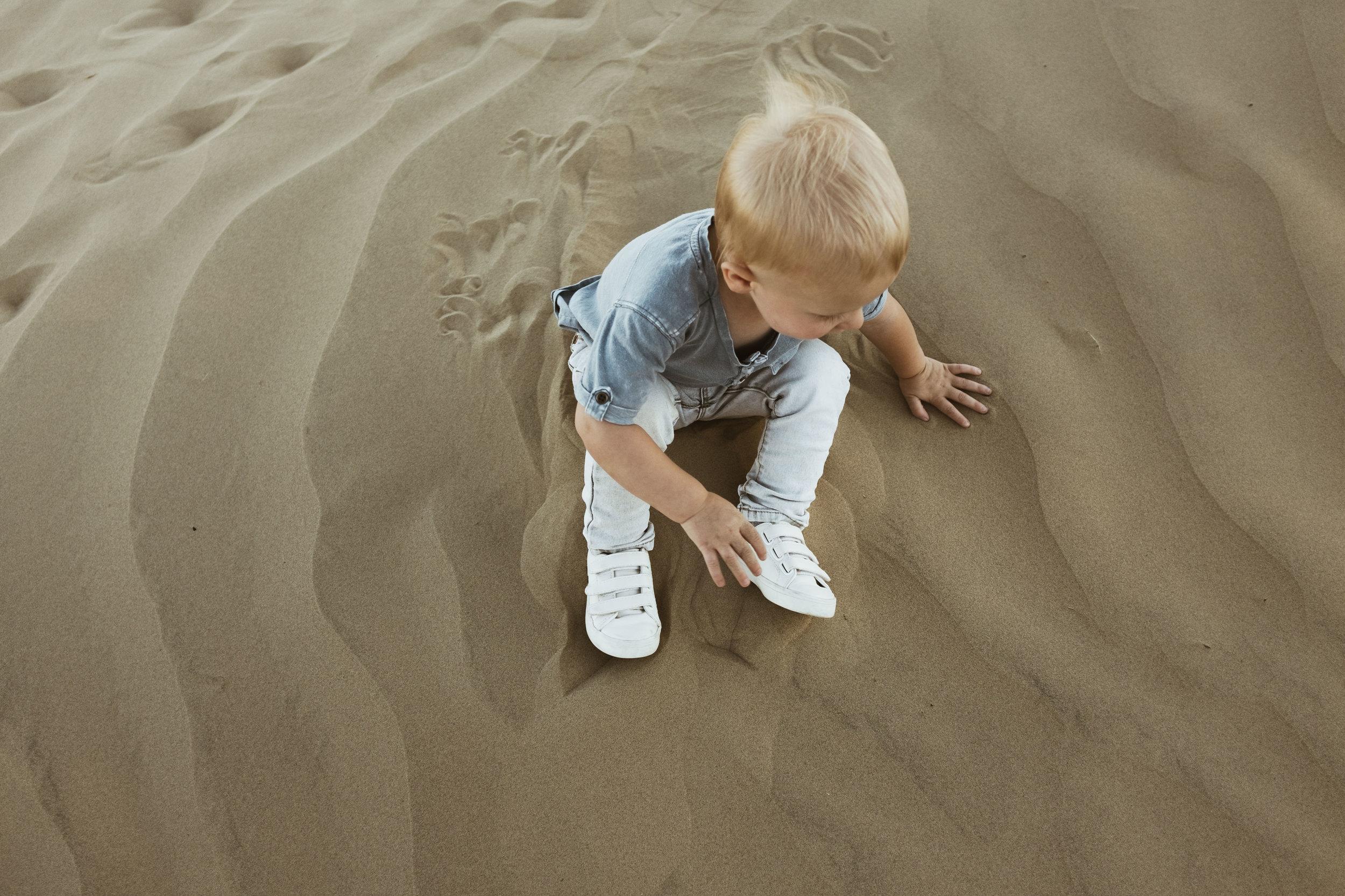 alyssa sorenson sand dunes family-30.jpg