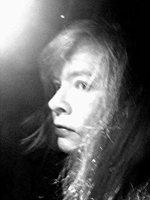 Tamara Thorne Author Pic.jpg