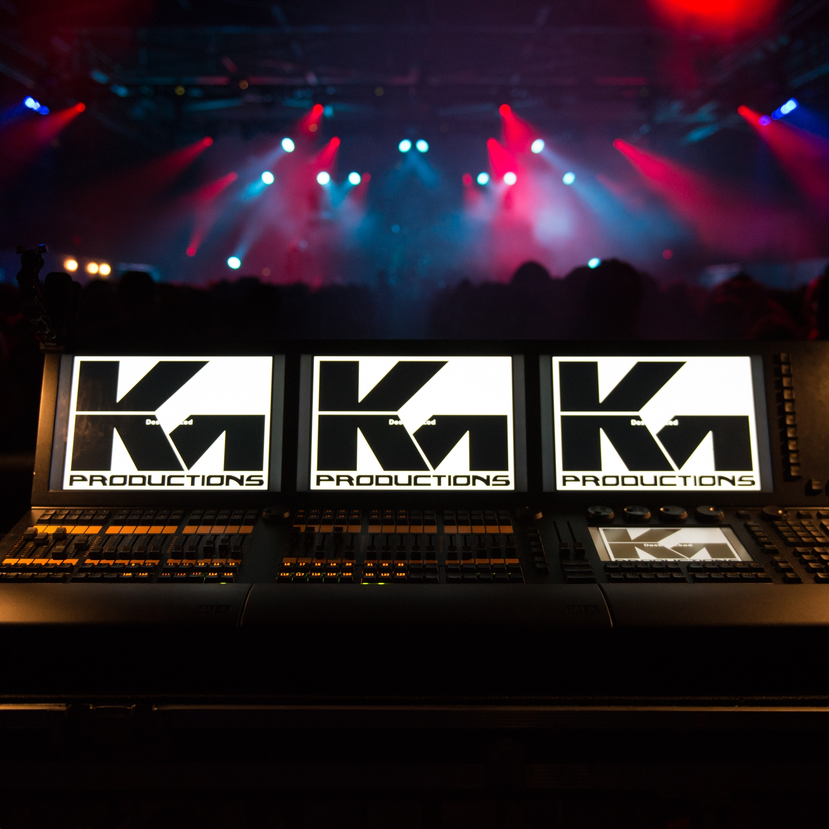 lighting_console_consoles