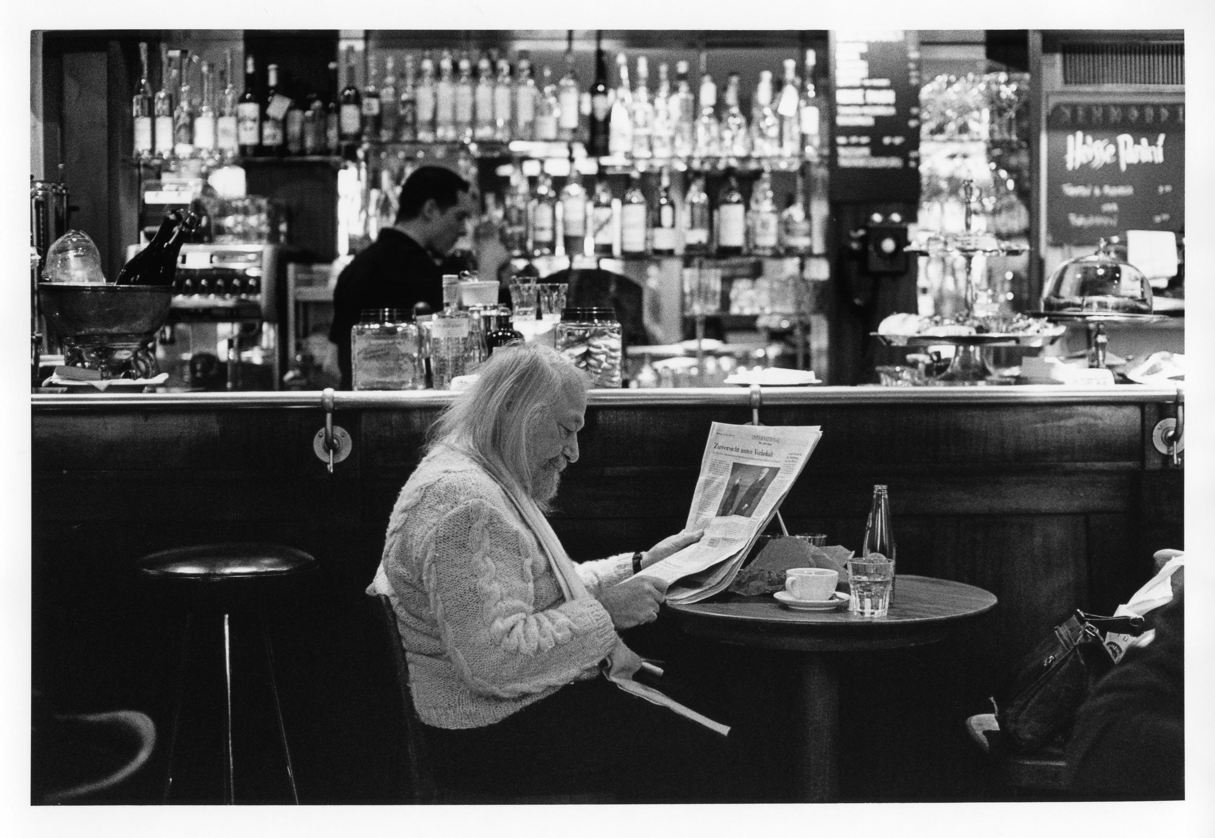 Cafe reader-1.jpg