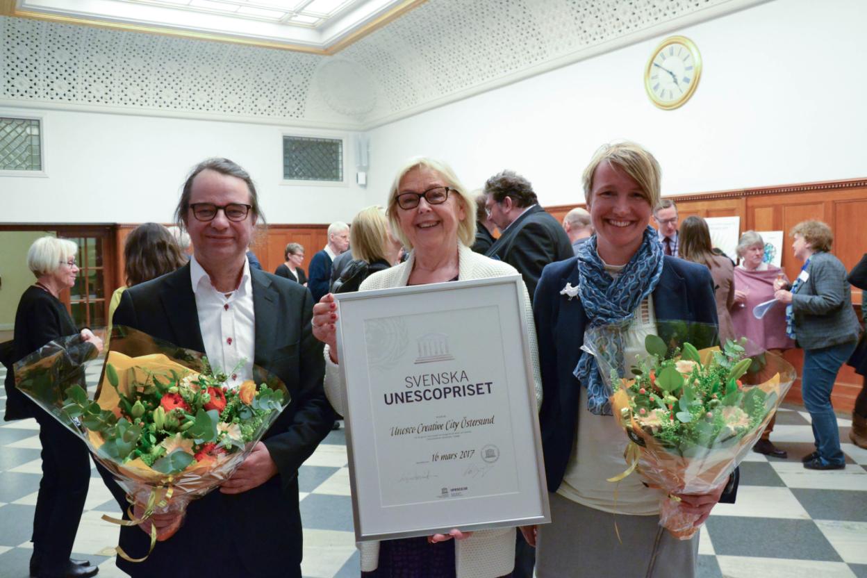 Dag Hartman, ordförande Unesco-Sverige Inger Davidsson och Christina Hedin vid det årliga mötet. Foto: Niklas Sagrén
