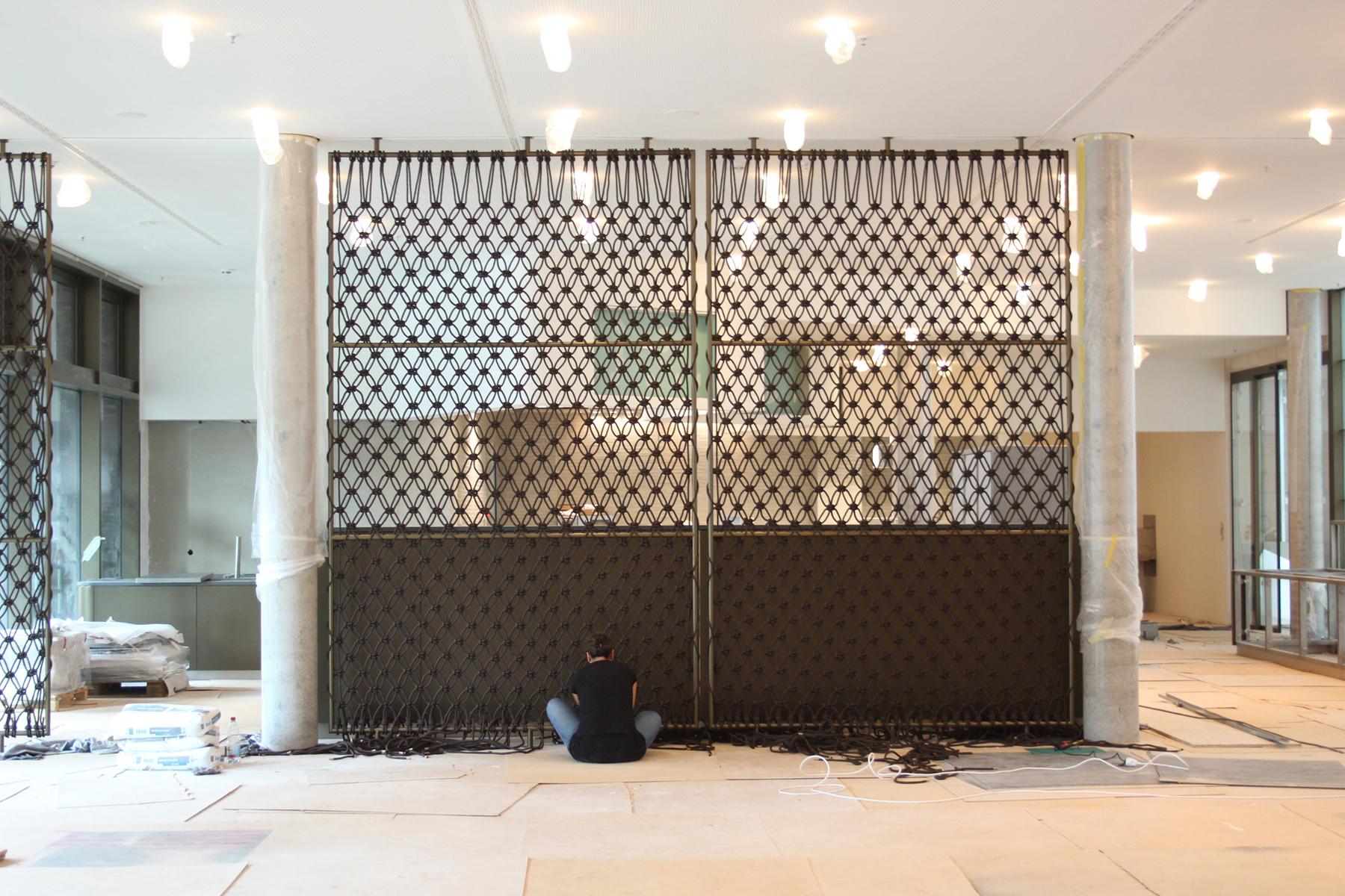 Christina-Pauls-Makrame-Raumteiler-Sichtschutz-Aufbau