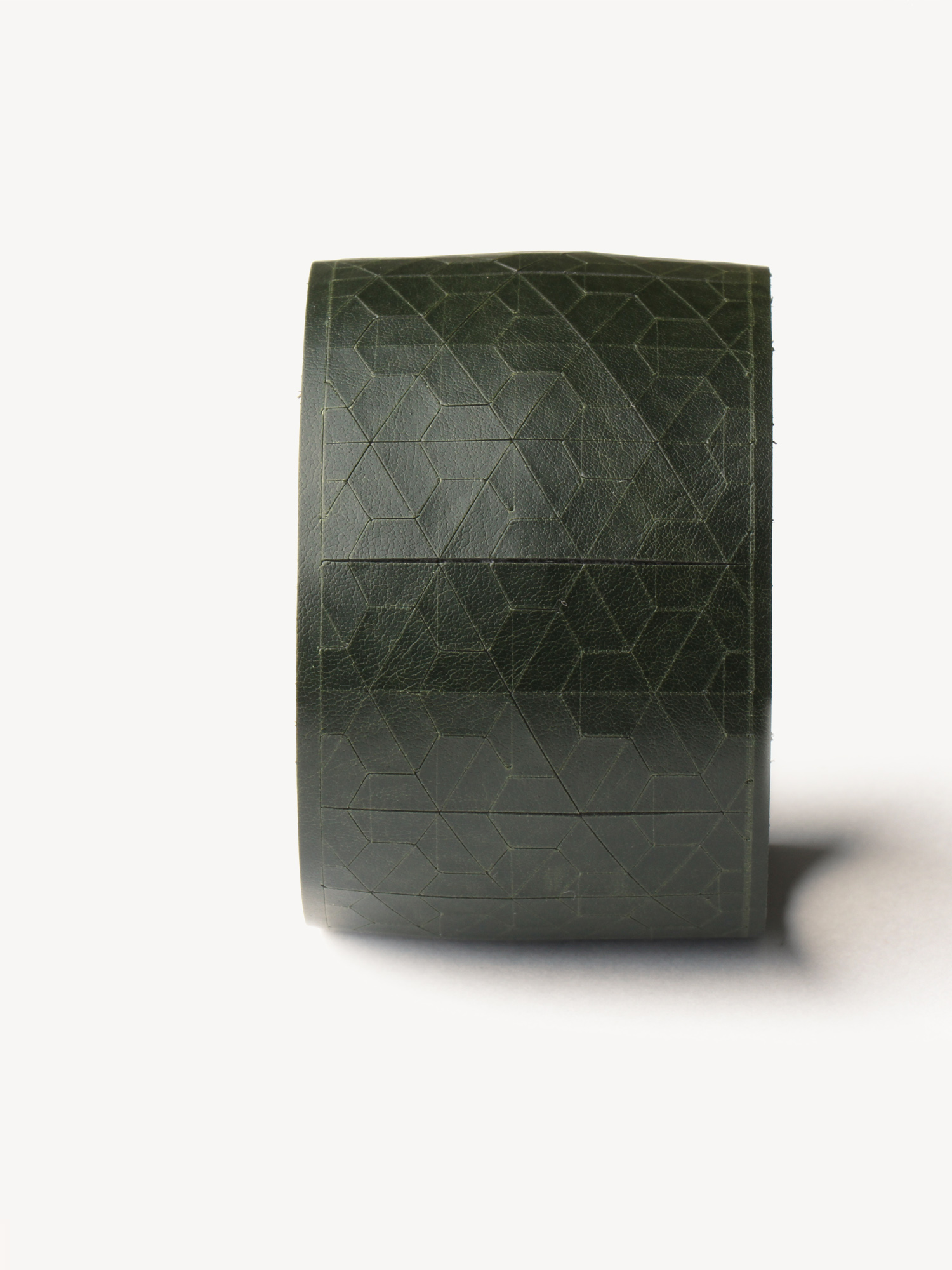 Leder-Armband, breit in dunkelgrün  Leather bracelet, big in dark green
