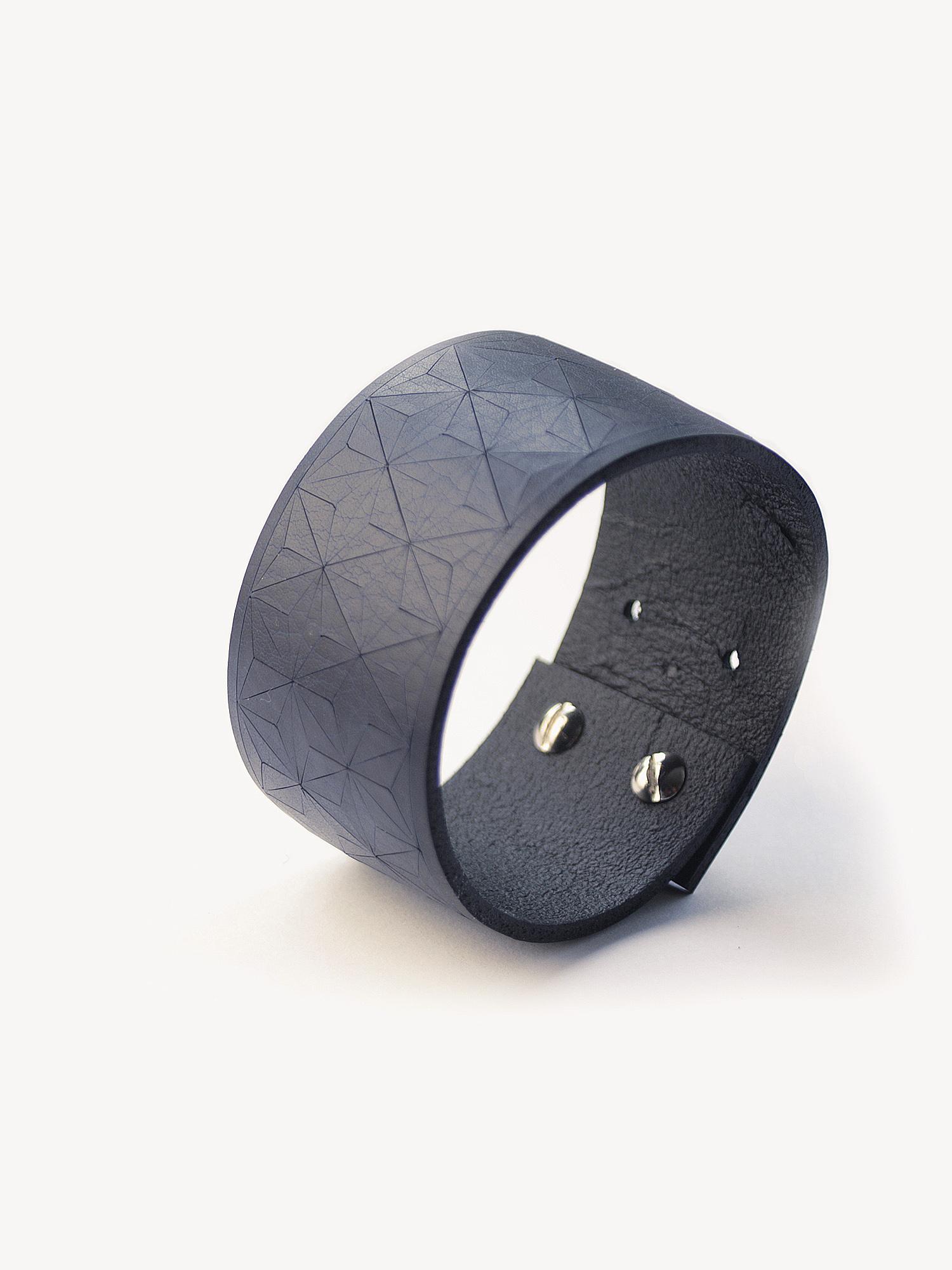 Leder-Armband, schmal in dunkelblau  Leather bracelet, small in navy
