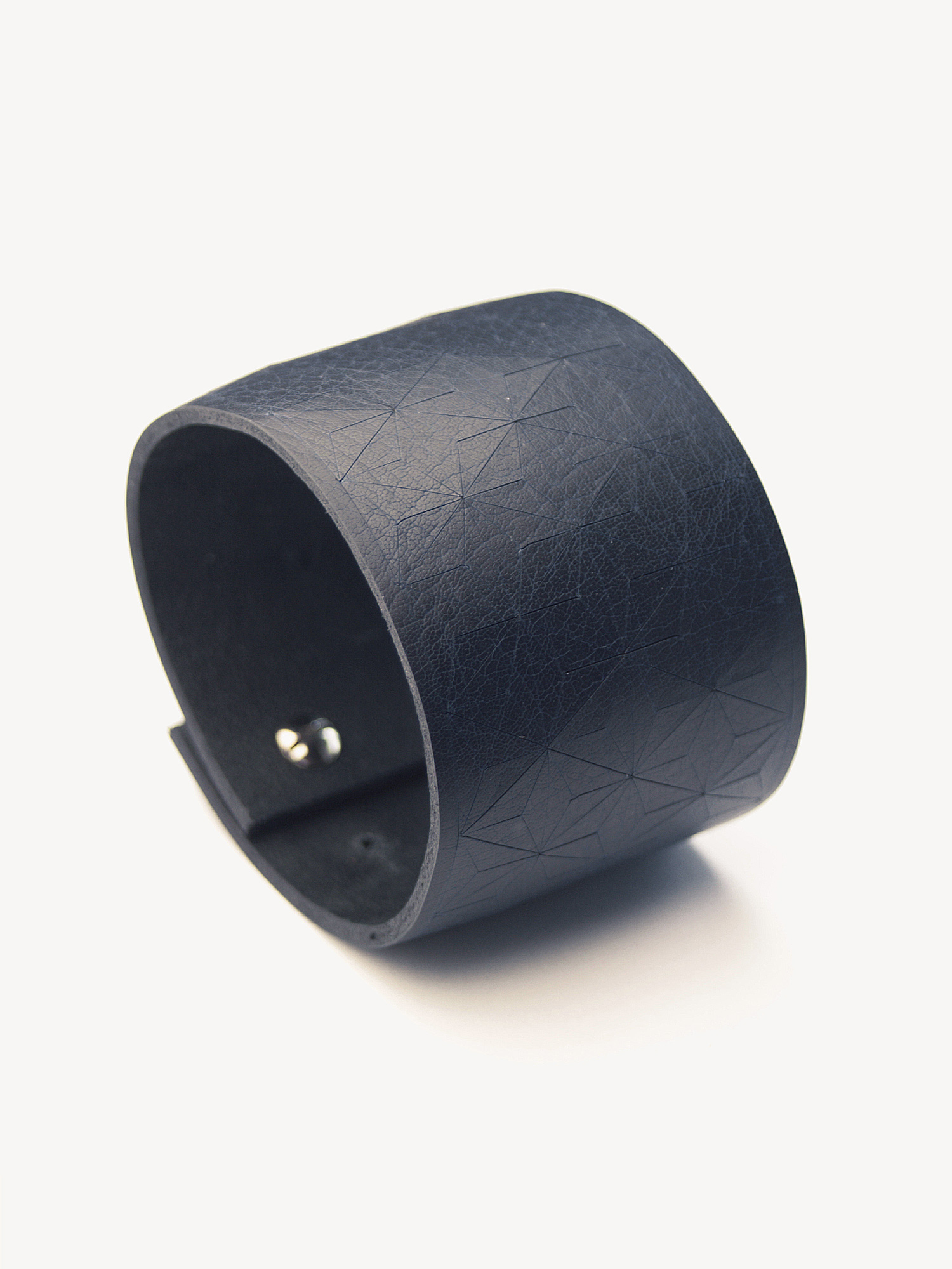 Leder-Armband, breit in dunkelblau  Leather bracelet, big in navy