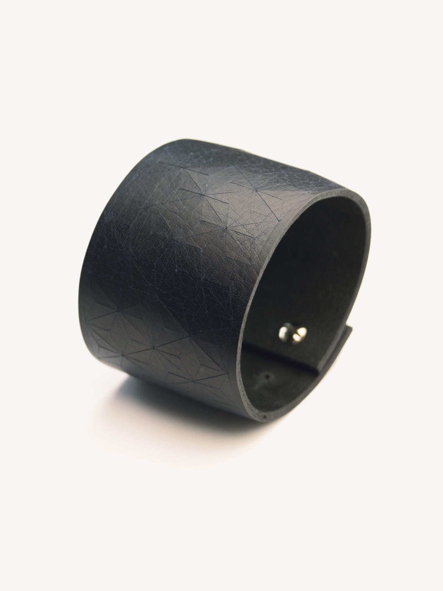Leder-Armband, breit in schwarz  Leather bracelet, big in black