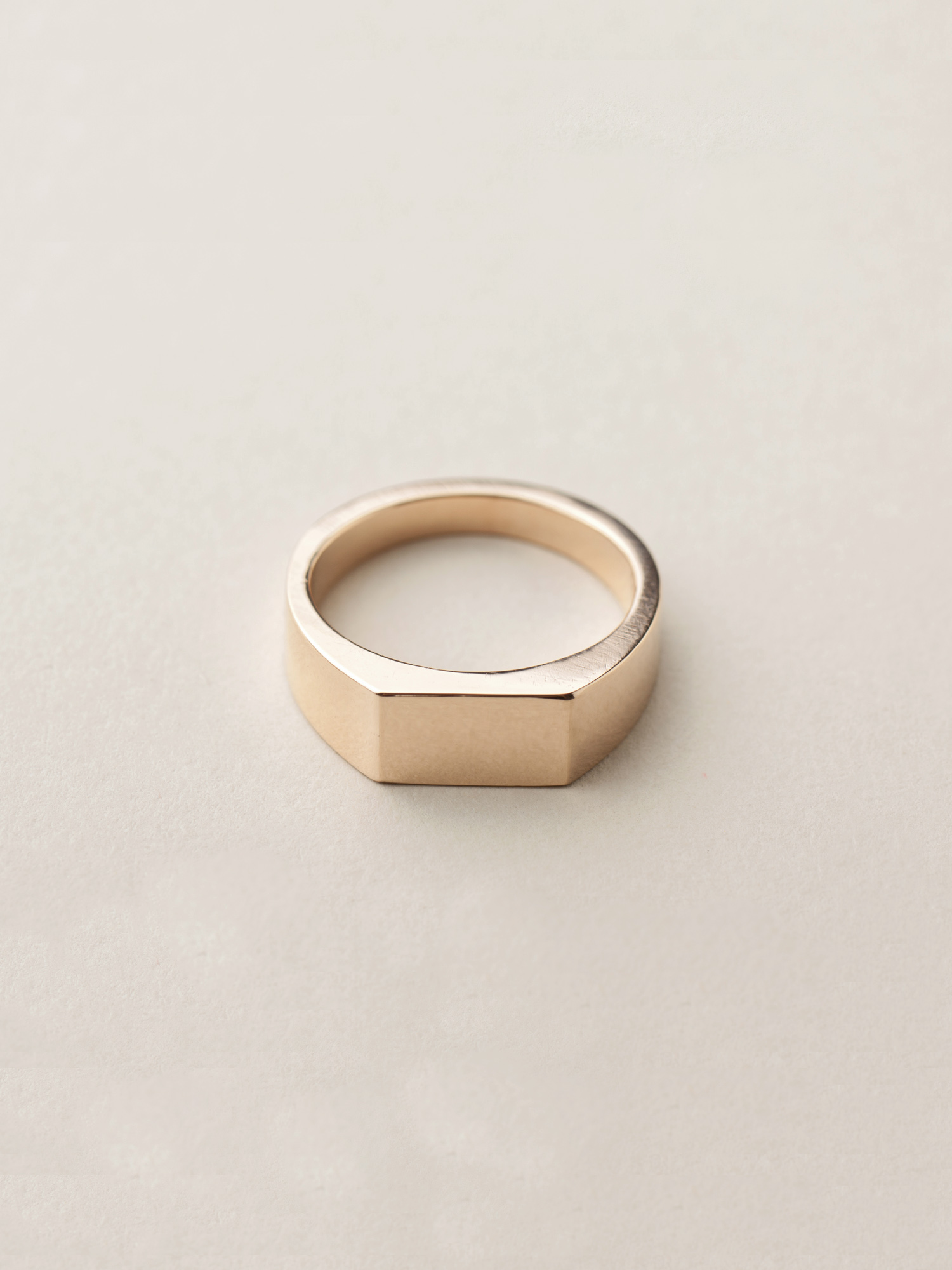 Siegelring Minima, mittel rechteckig in 585 Rosegold  Signet ring Minima, medium rectangle in 14ct rose gold