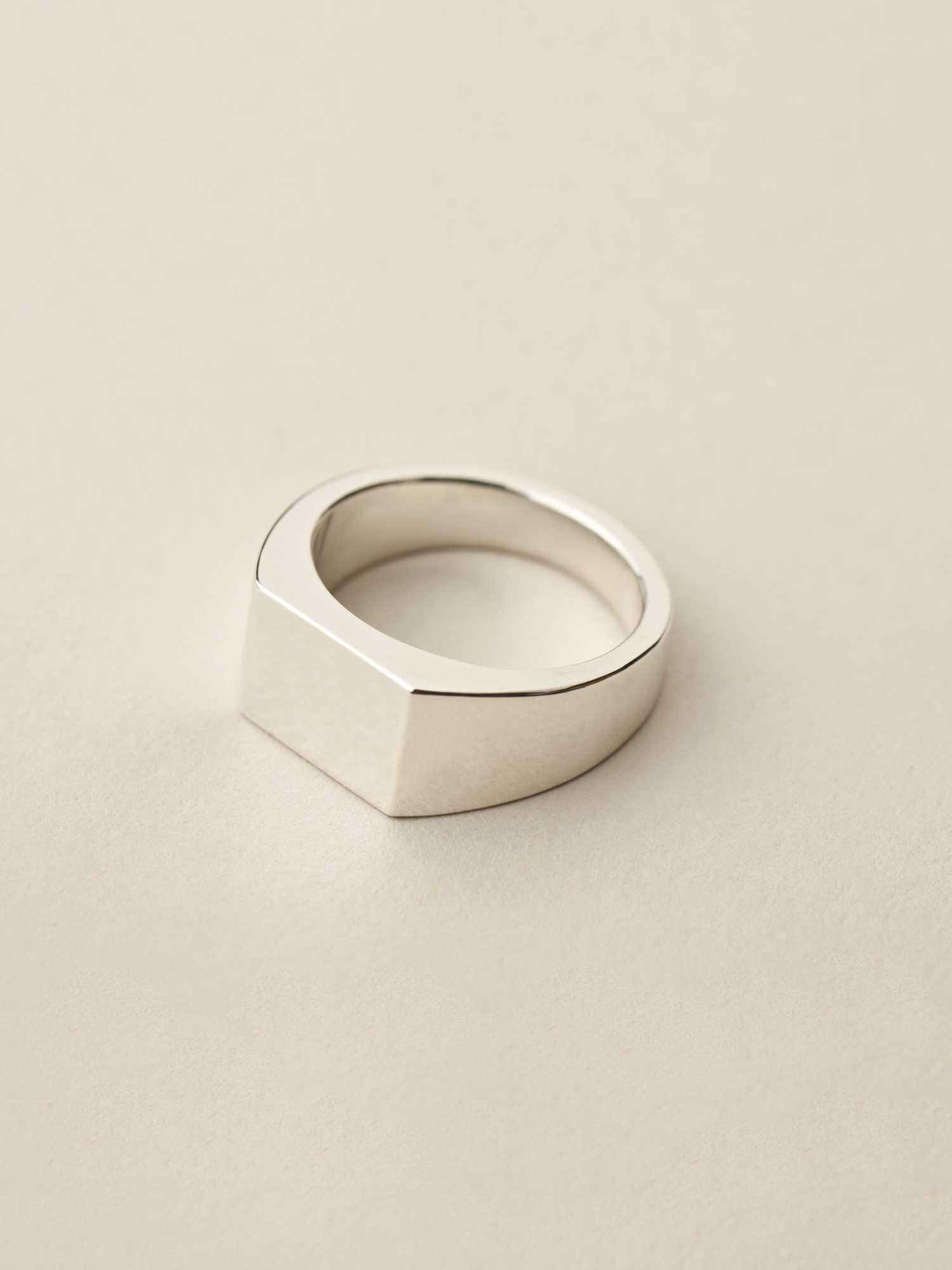 Siegelring Minima, groß rechteckig in 925 Silber  Signet ring Minima, big rectangle in sterling silver