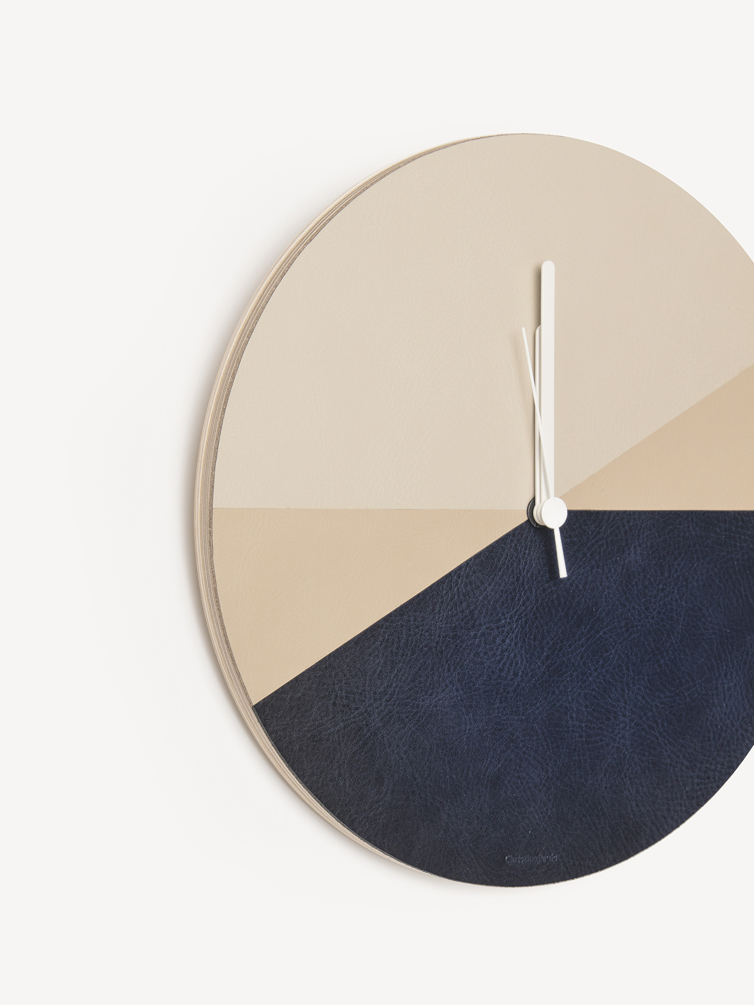 Leder-Wanduhr Keita  Leather wall clock Keita