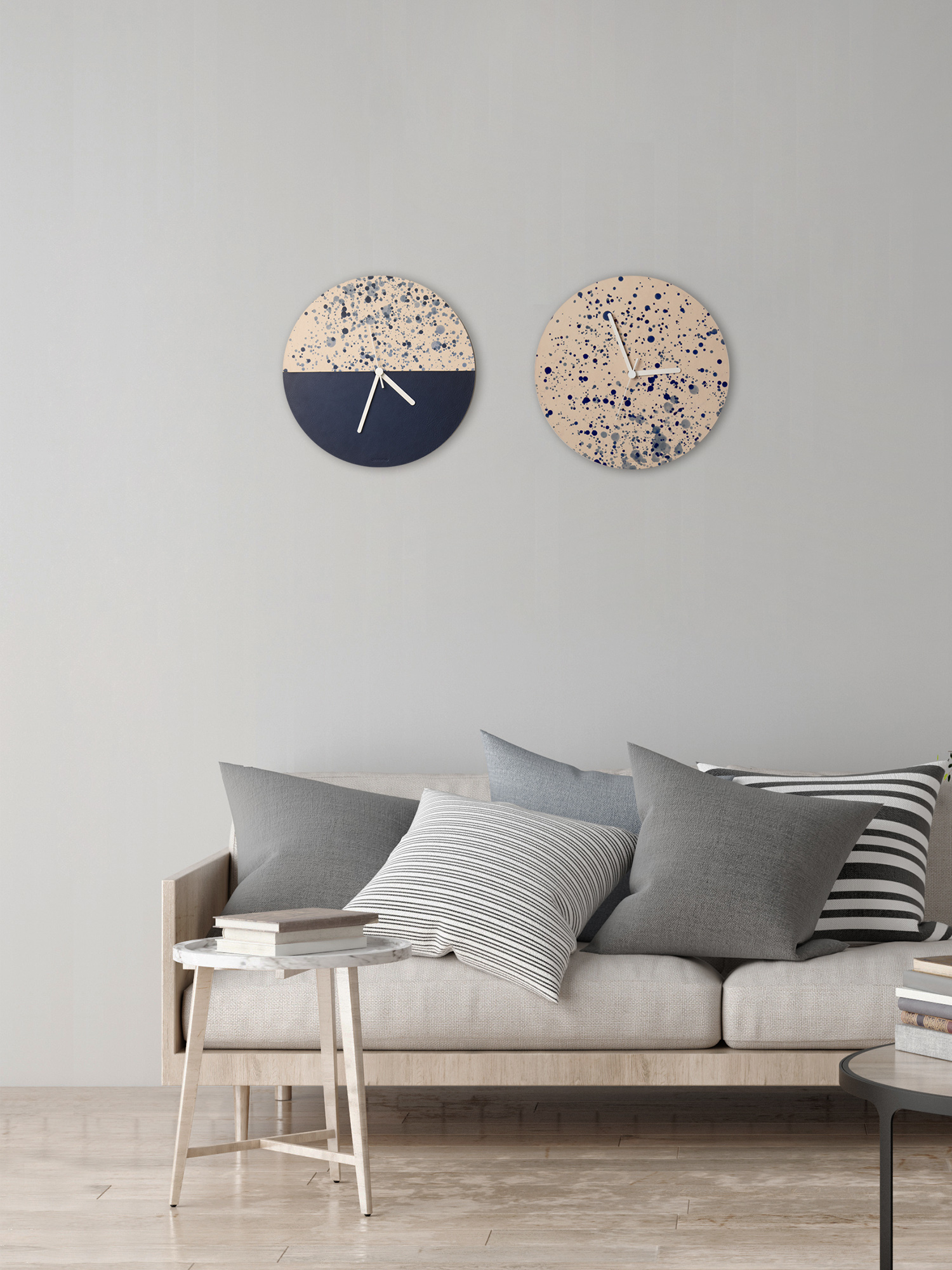Leder-Wanduhr Aimi und Hana  Leather wall clock Aimi and Hana