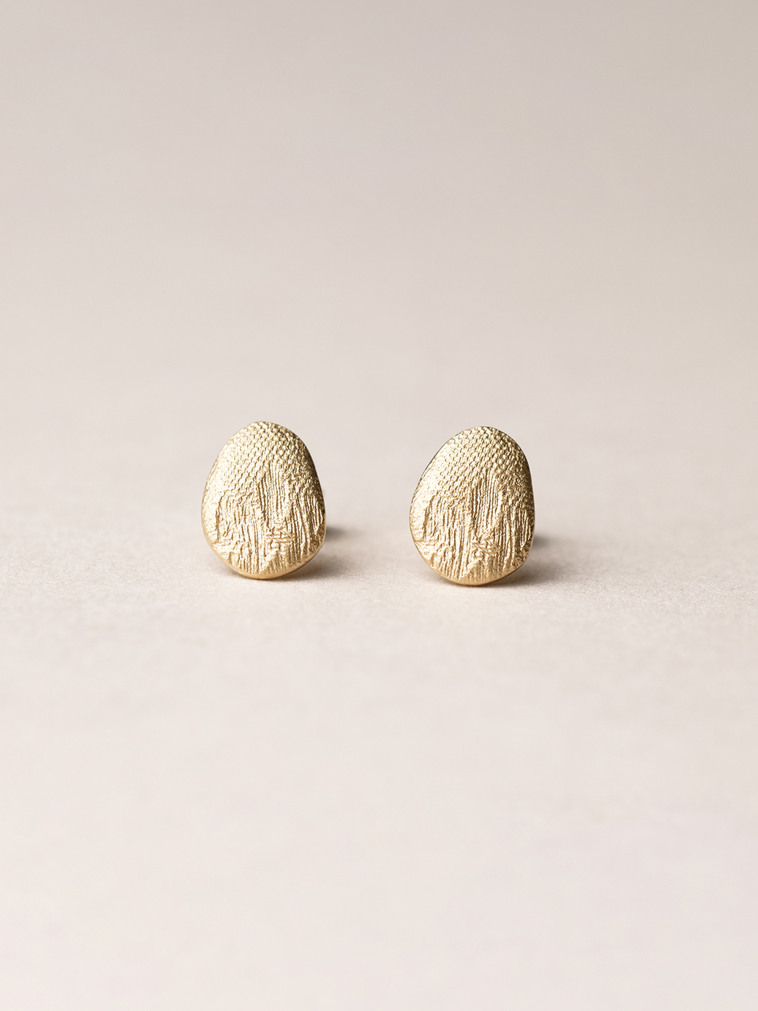 Ovale Amia-Ohrstecker in 585 Gelbgold  Amia, oval stud earrings in 14kt gold