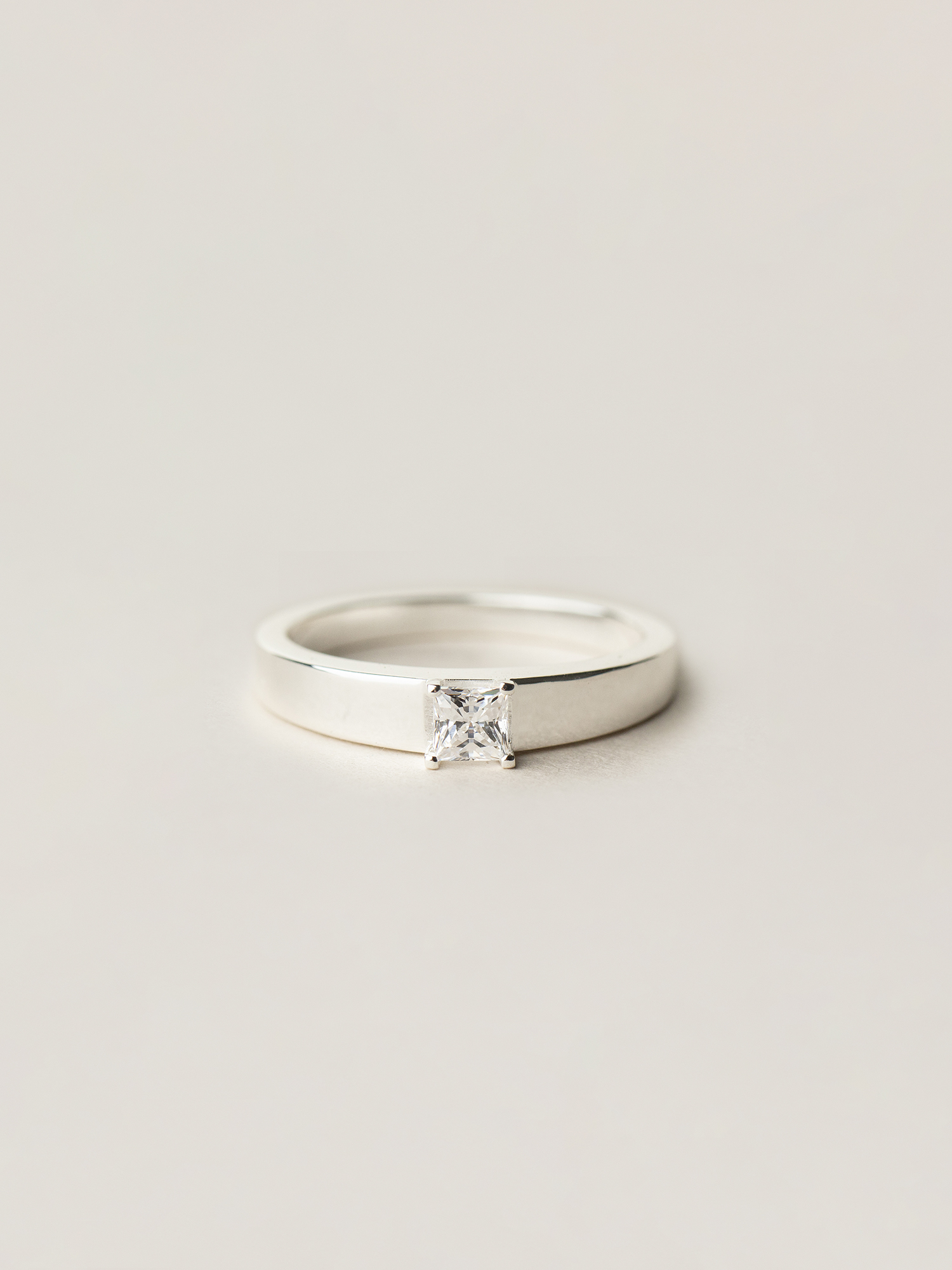 Christina-Pauls-Minima-Prinzess-Diamant-Silber.jpg