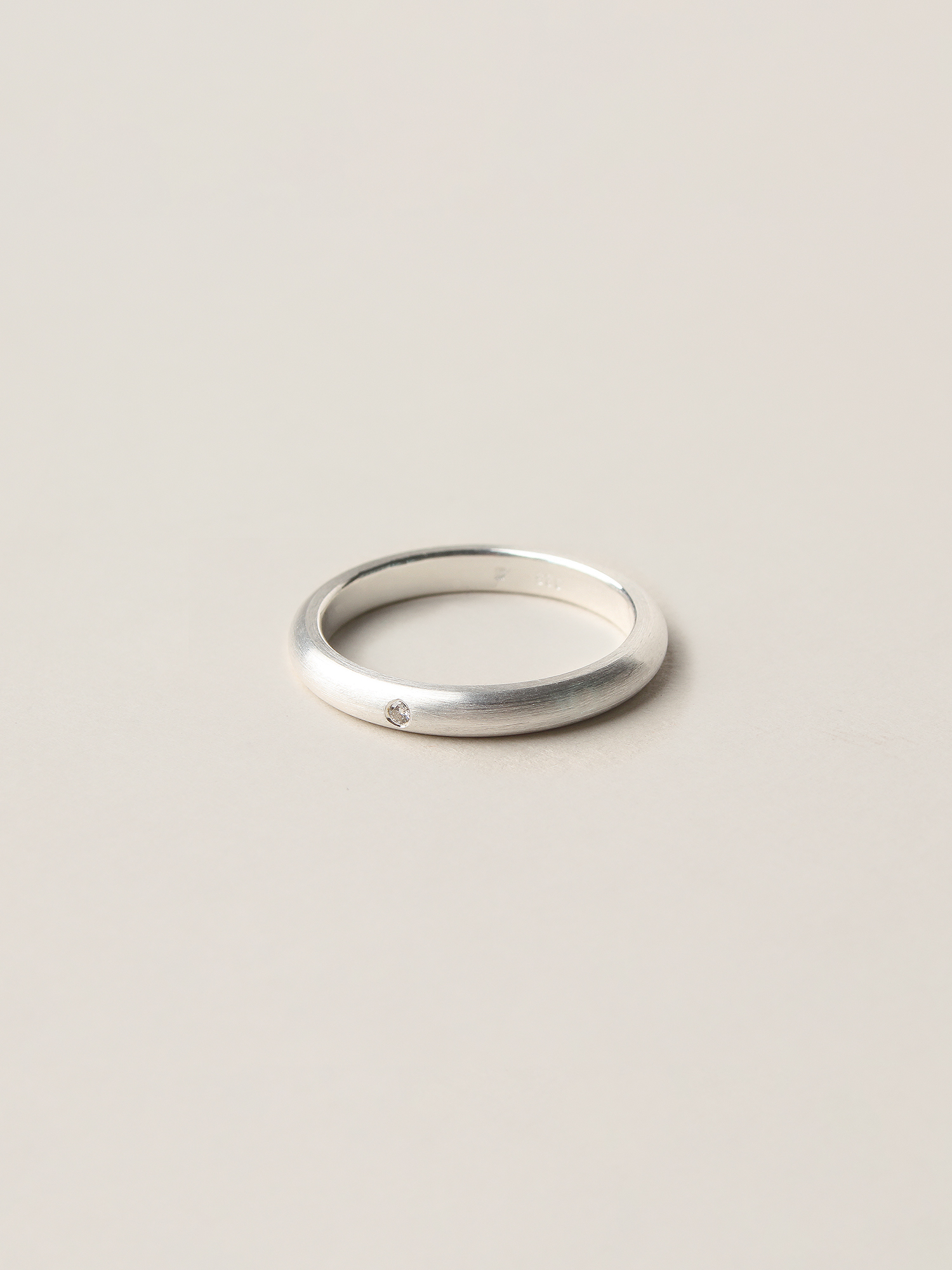 Christina-Pauls-Ring-Verlobungsring-Diamant-Silber2.jpg