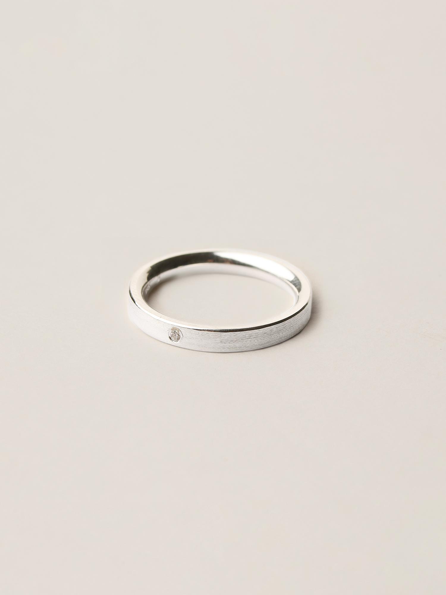 Christina-Pauls-Ring-Verlobungsring-Diamant-Silber1.jpg
