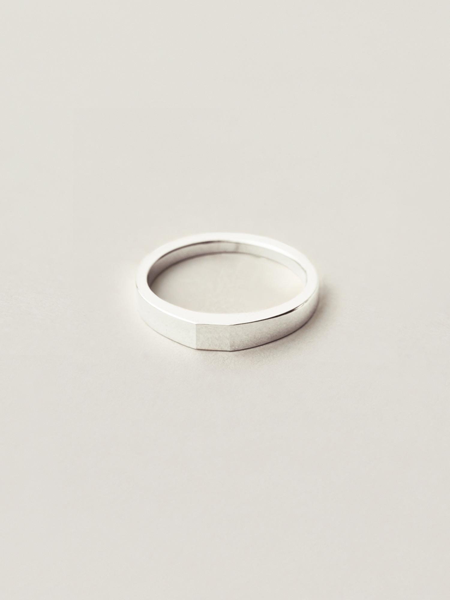 Verlobungsring-Silber-Quadrat-Christina-Pauls1.jpg