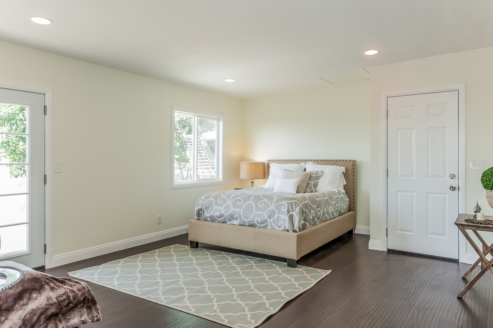 012-Master_Bedroom-2167895-medium.jpg