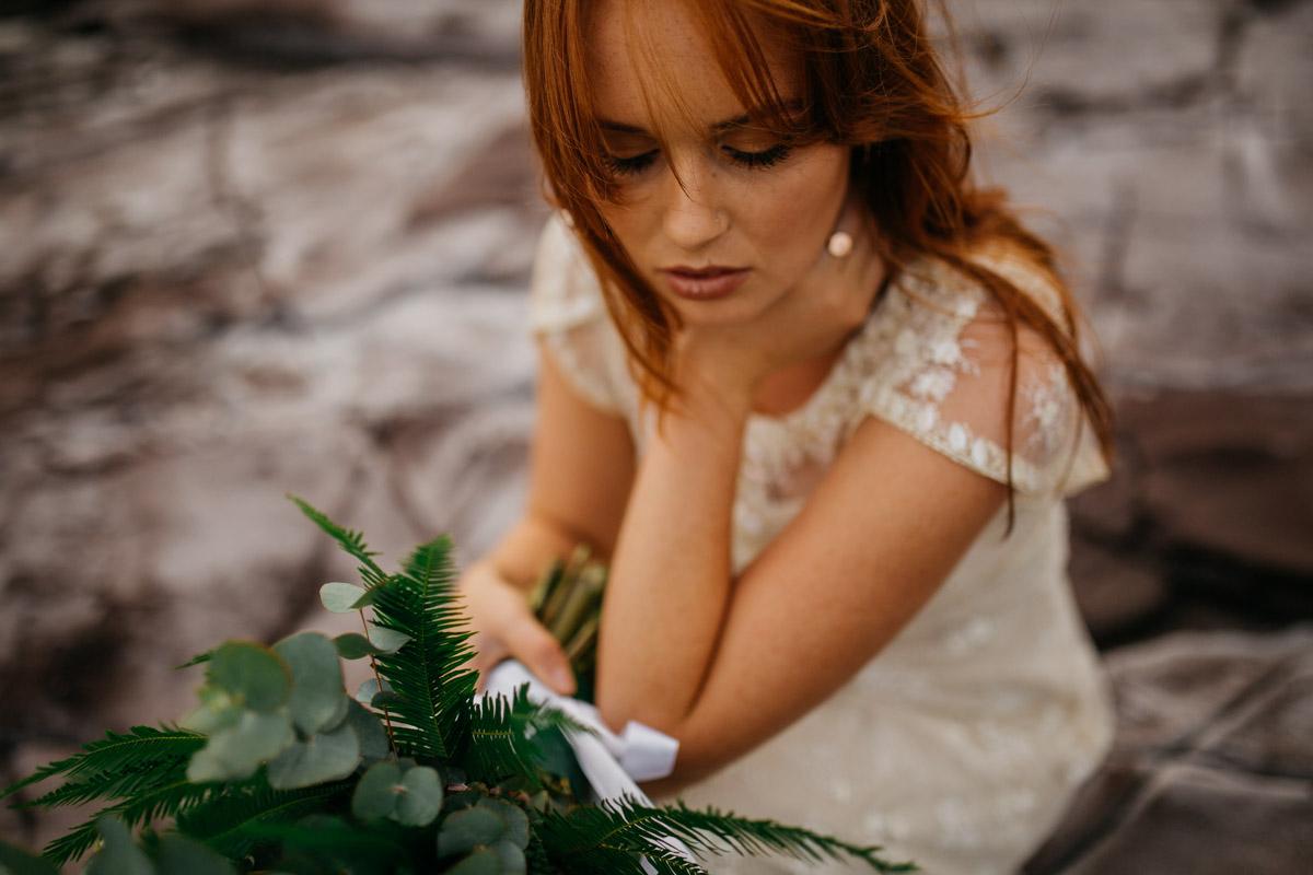 Jaimee_Bridal_Winter_Alana Taylor Photography-7.jpg