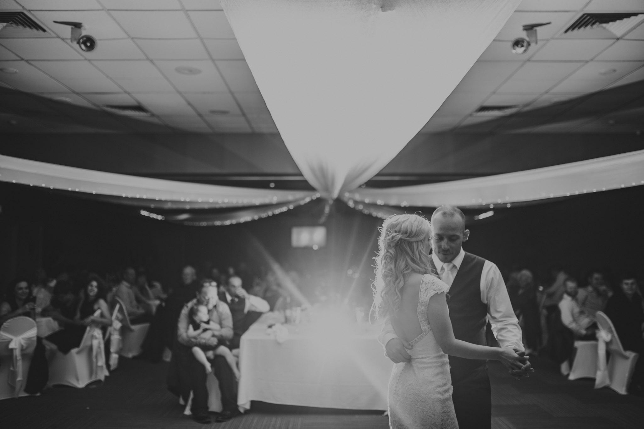 Shanan & Traci_Portkembla Golf Course Wedding-88.jpg