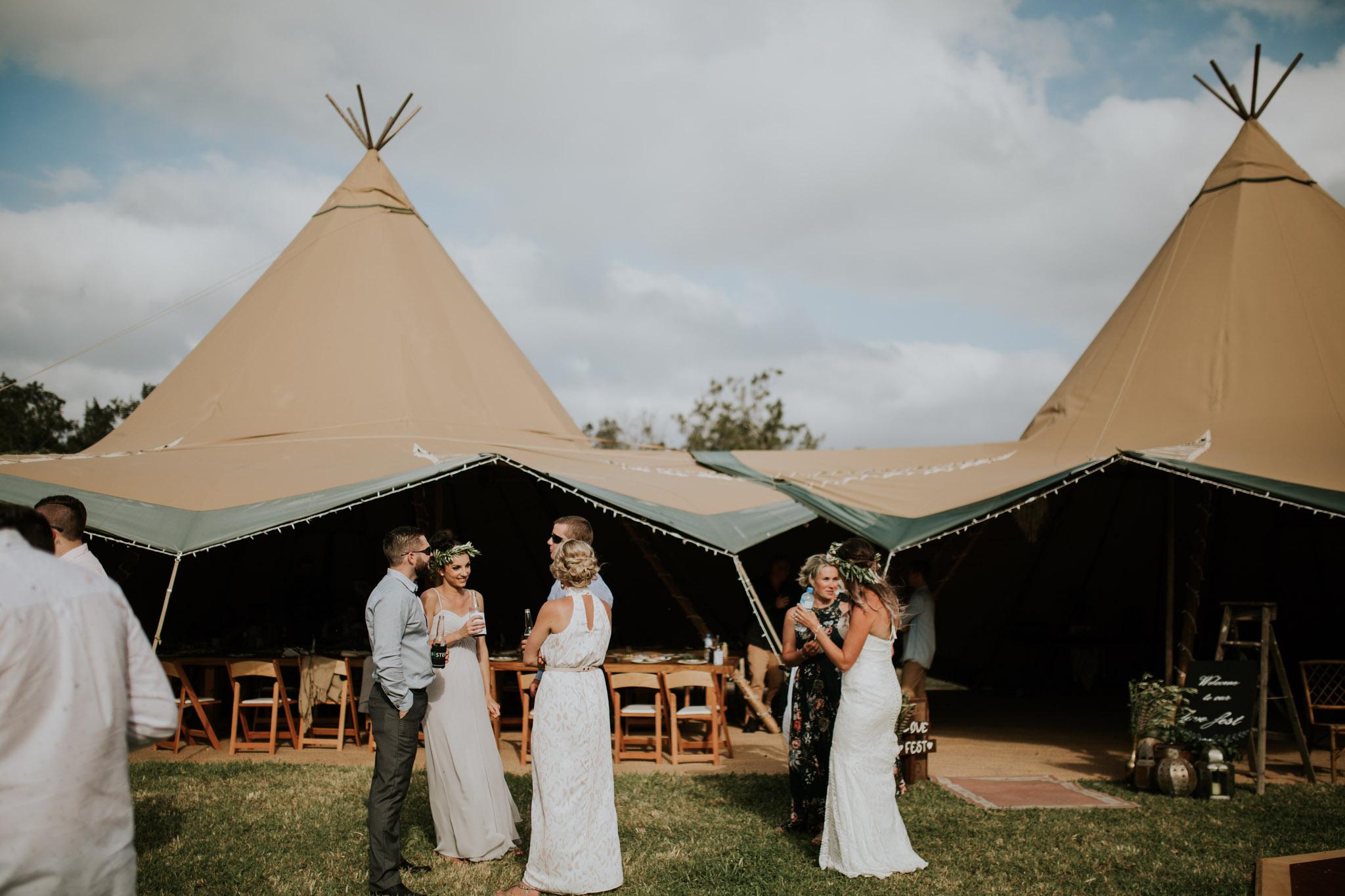 Tara_Luke_Jamberoo_Honey_farm_wedding-118.jpg