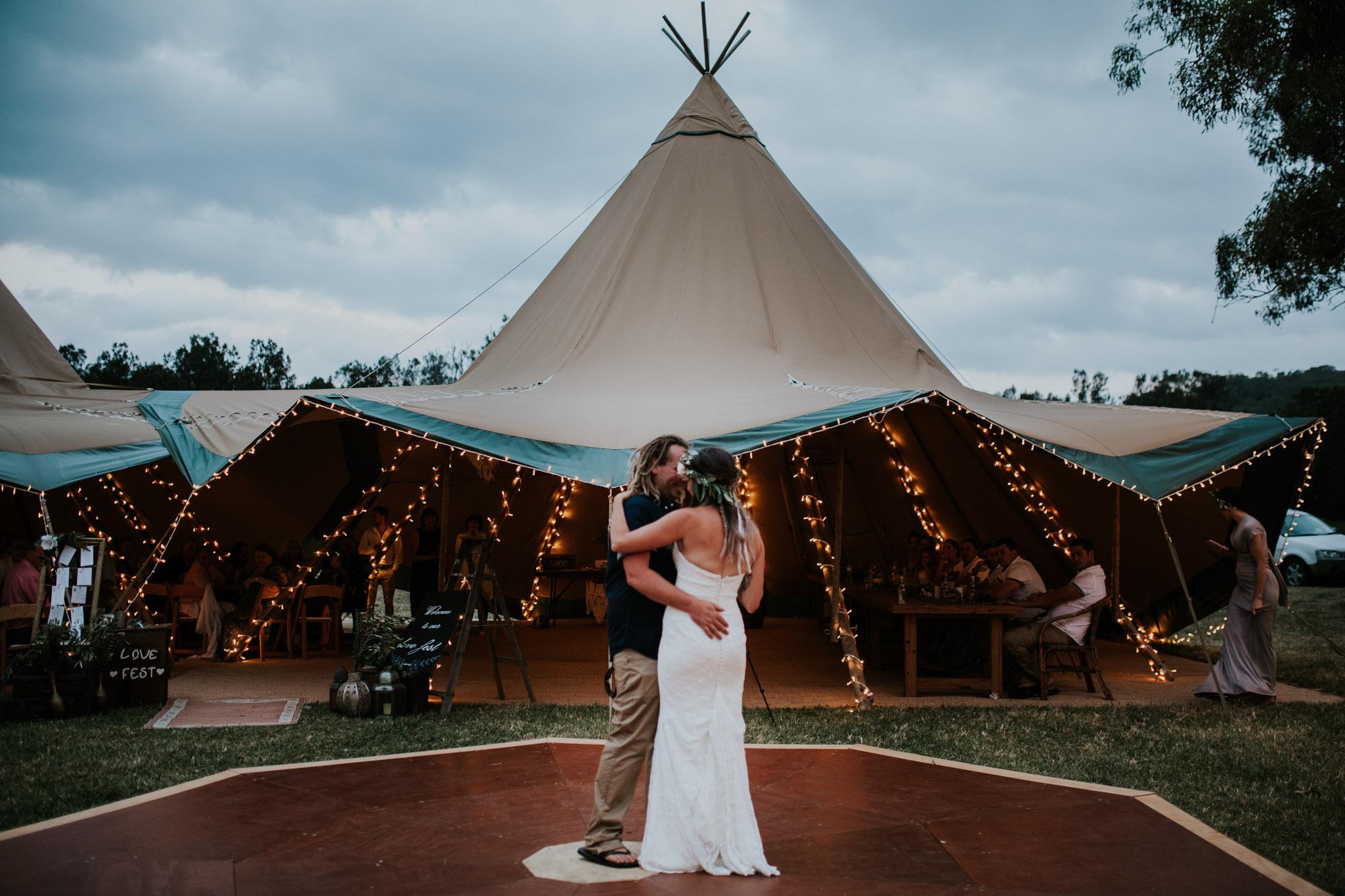 Tara_Luke_Jamberoo_Honey_farm_wedding-142.jpg