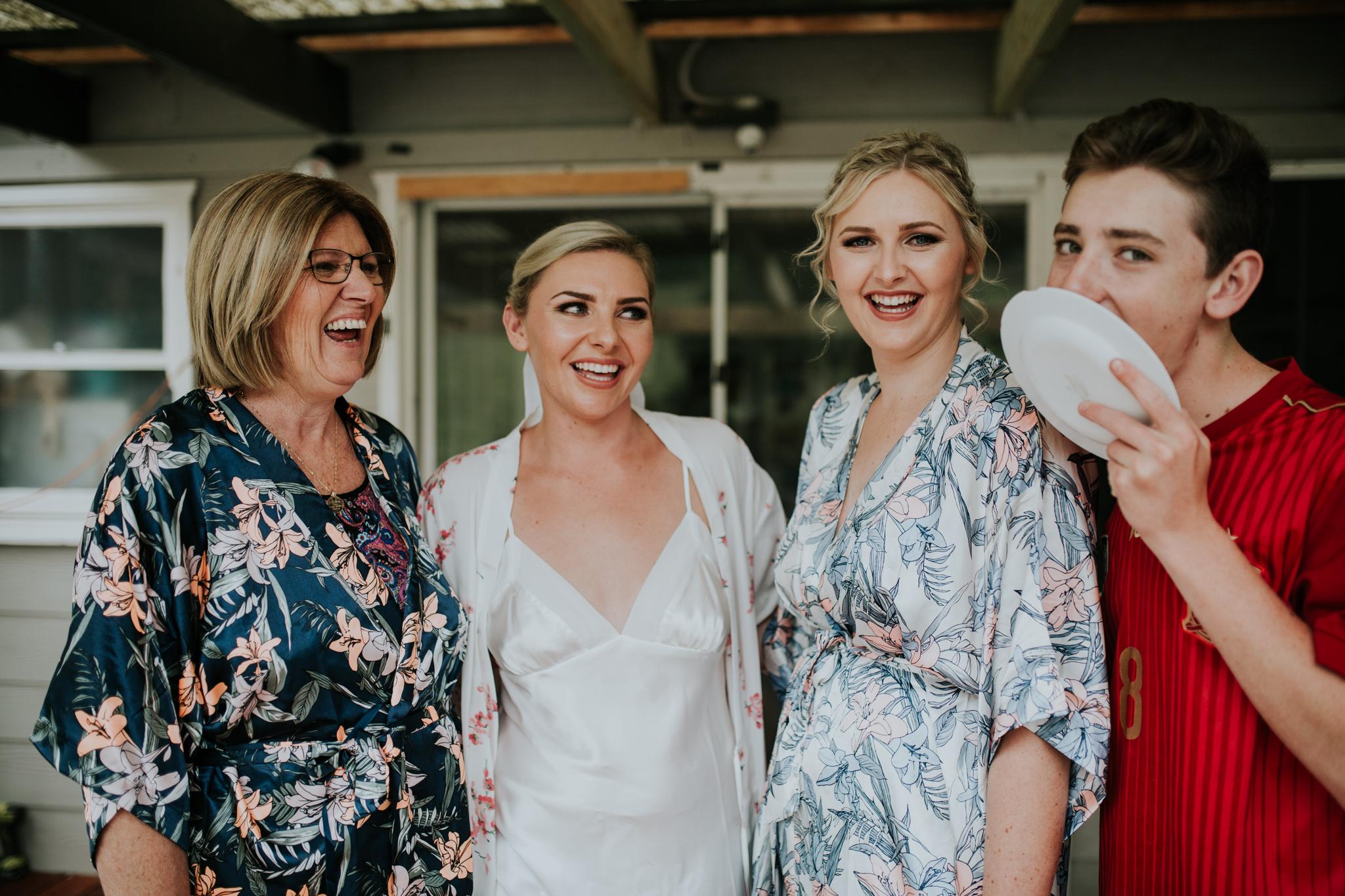 Lucy+Kyle+Kiama+Sebel+wedding-28.jpg