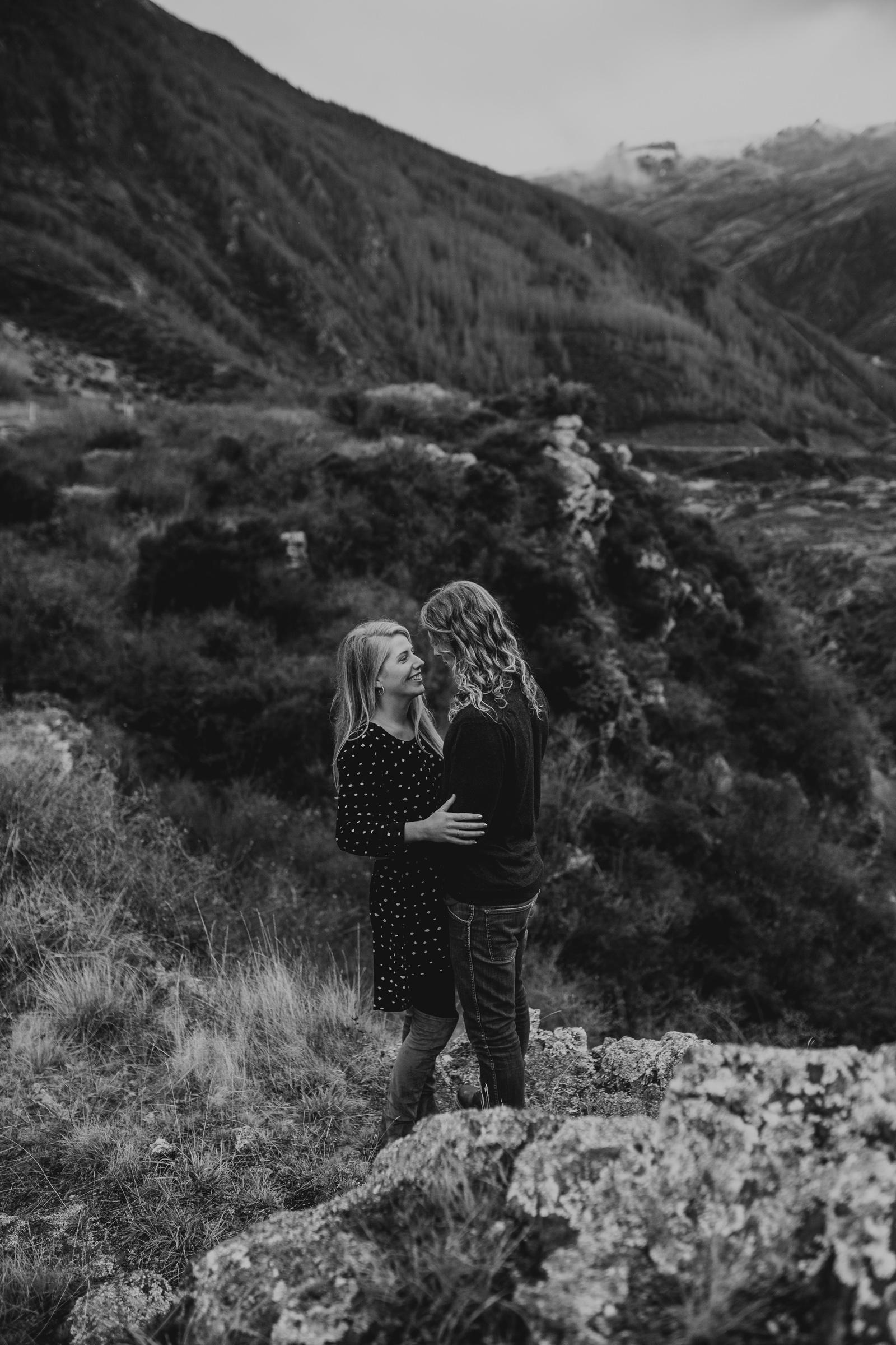 Hayden+Hannah+Gibbston+Valley+Couple+Session+New+Zealand-18.jpg