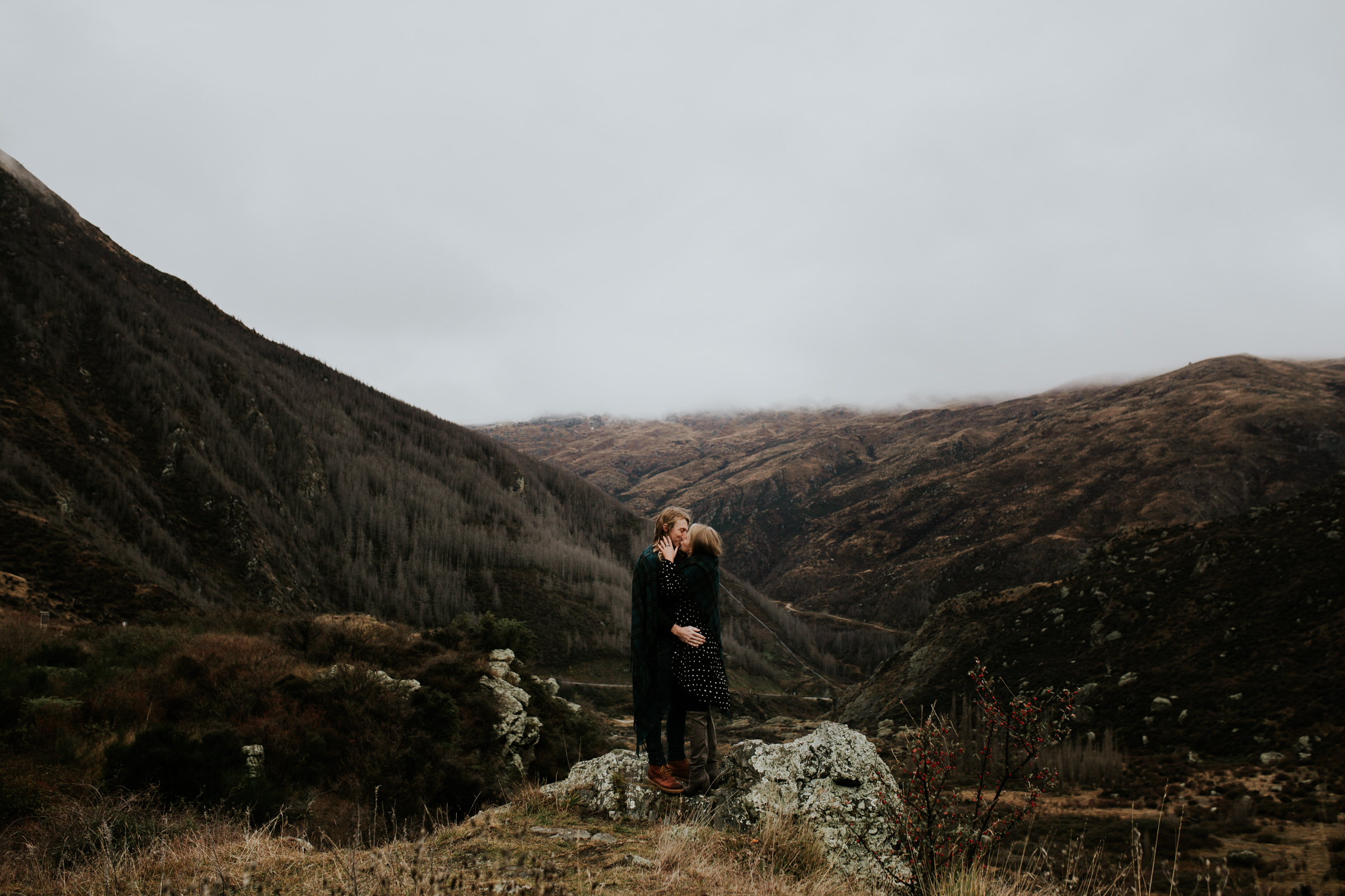 Hayden+Hannah+Gibbston+Valley+Couple+Session+New+Zealand-26.jpg