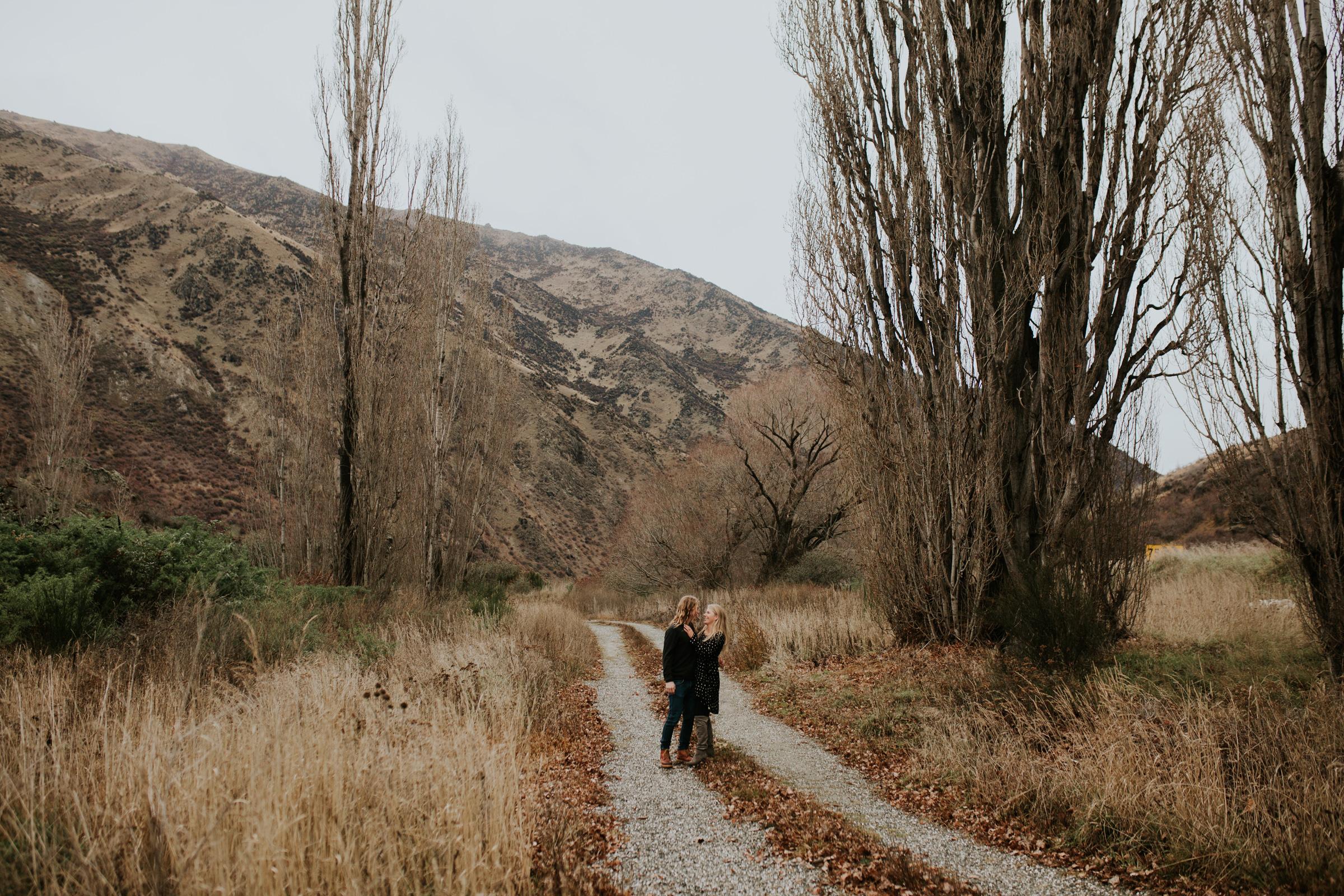Hayden+Hannah+Gibbston+Valley+Couple+Session+New+Zealand-33.jpg