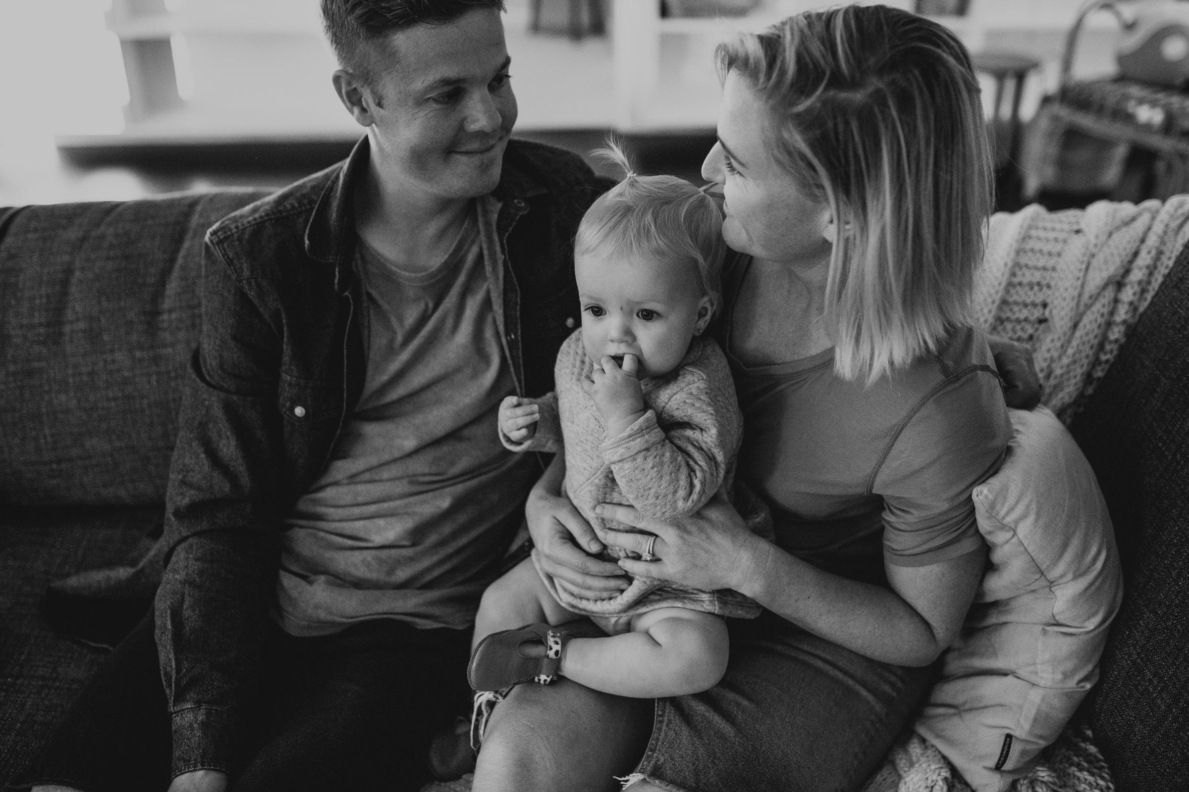 ROB+LOZ+ELKIE+KOCH+FAMILY+INHOME+LIFESTYLE+SESSION-80.jpg