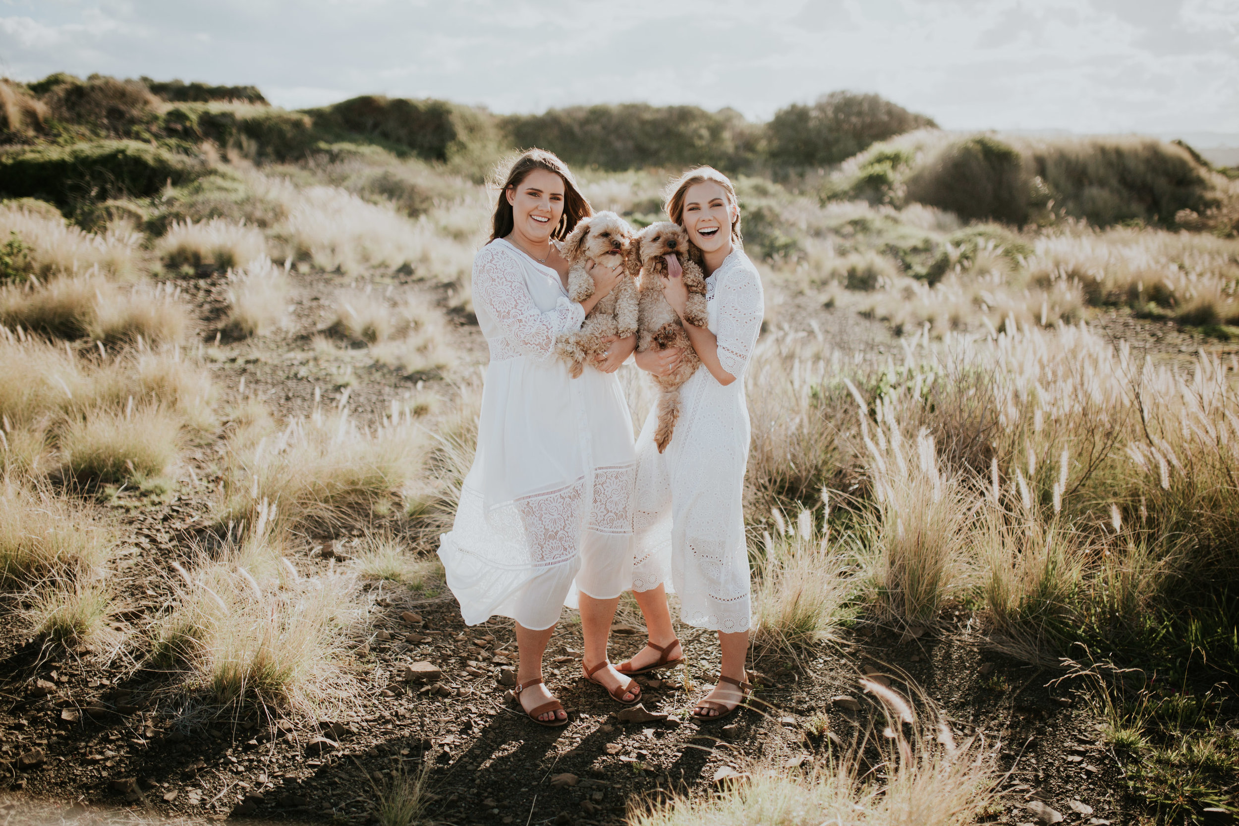 Meg+Leah+sisters+Relaxed+family+Session+Kiama+-6.jpg