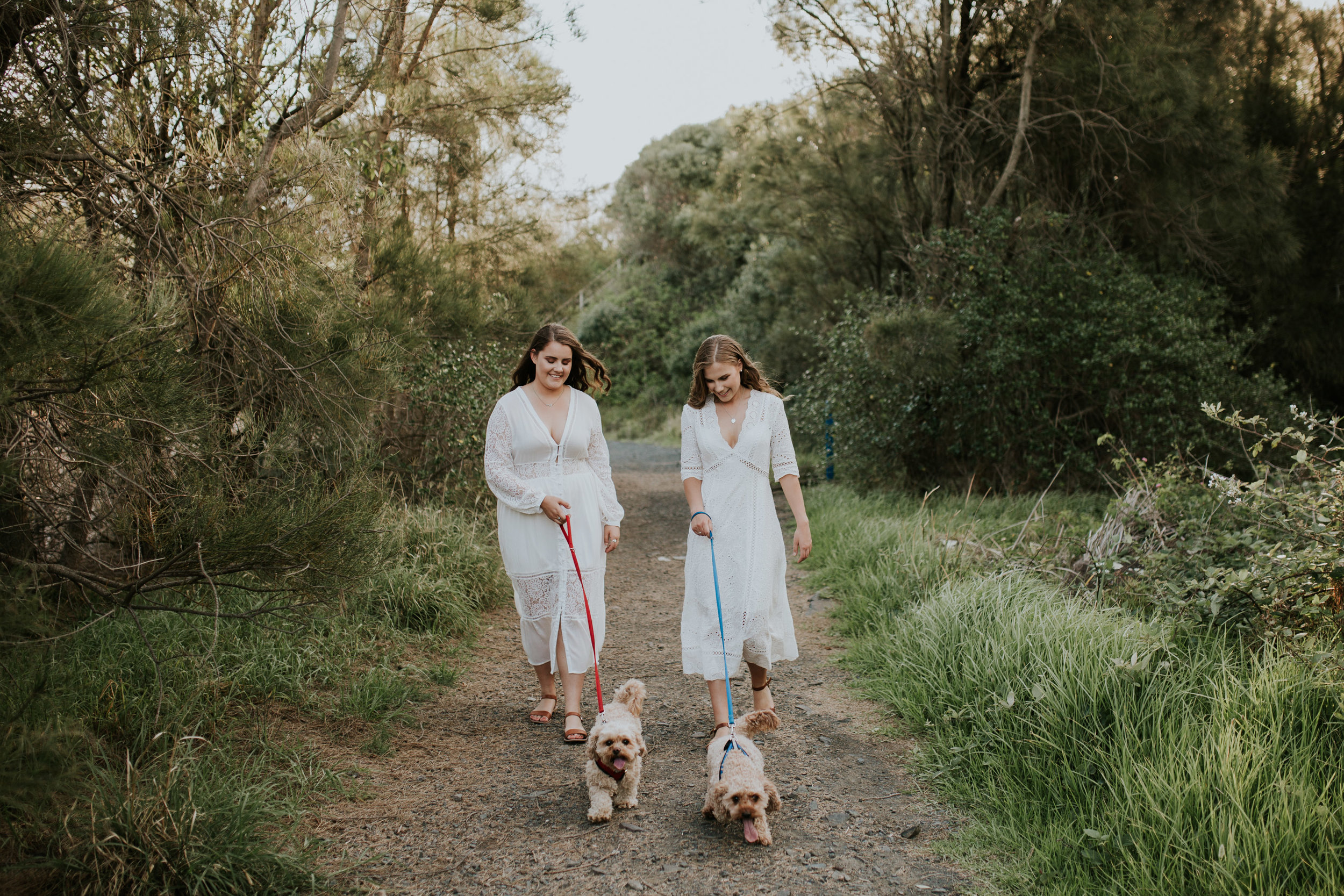 Meg+Leah+sisters+Relaxed+family+Session+Kiama+-14.jpg