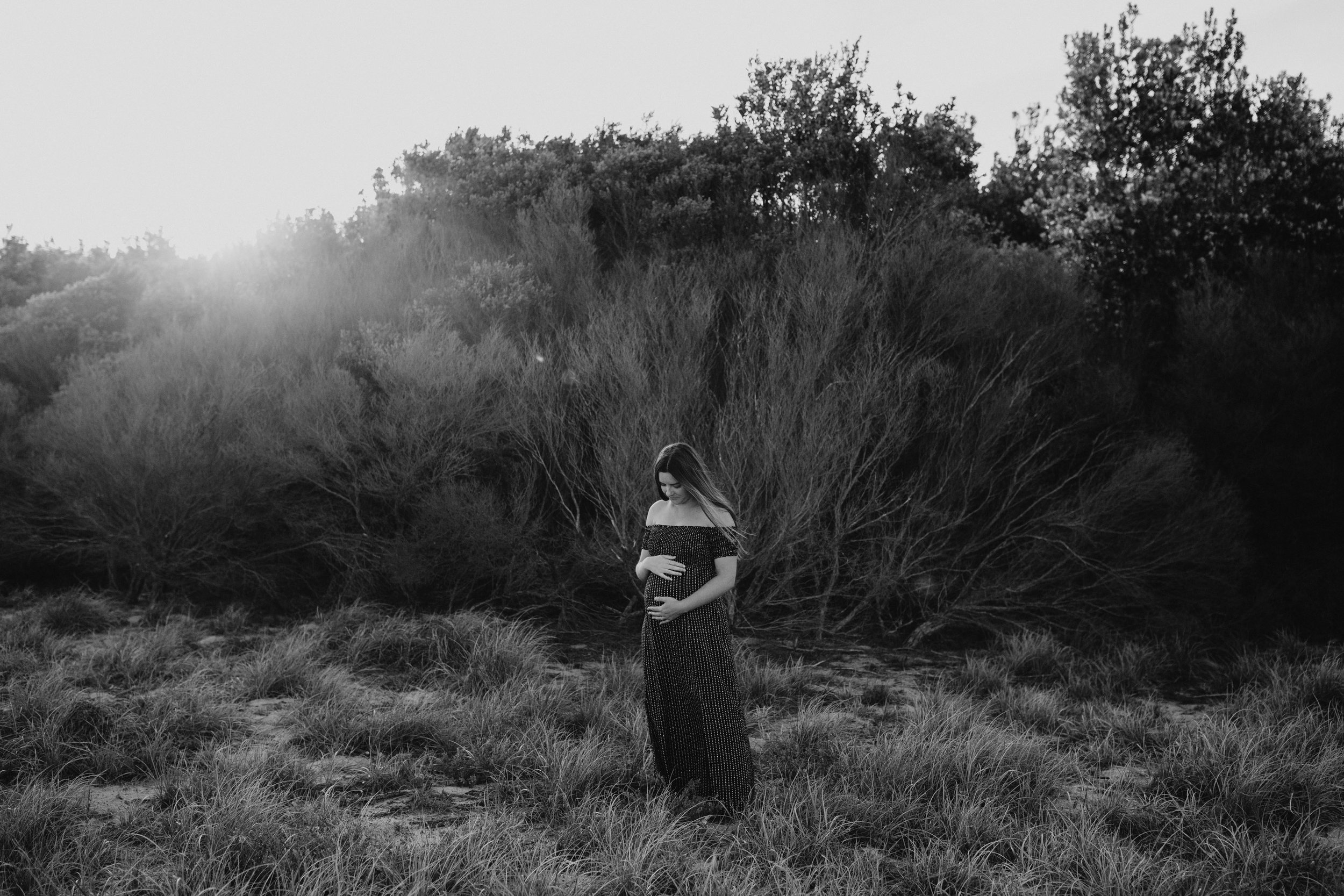 AMY+ANDREW+SHOALHAVEN+HEADS+BEACH+MATERNITY+SESSION+CANDID-7.jpg