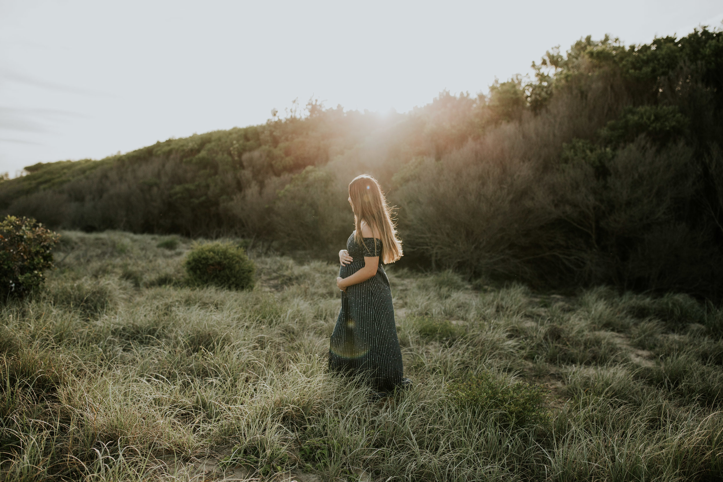 AMY+ANDREW+SHOALHAVEN+HEADS+BEACH+MATERNITY+SESSION+CANDID-11.jpg