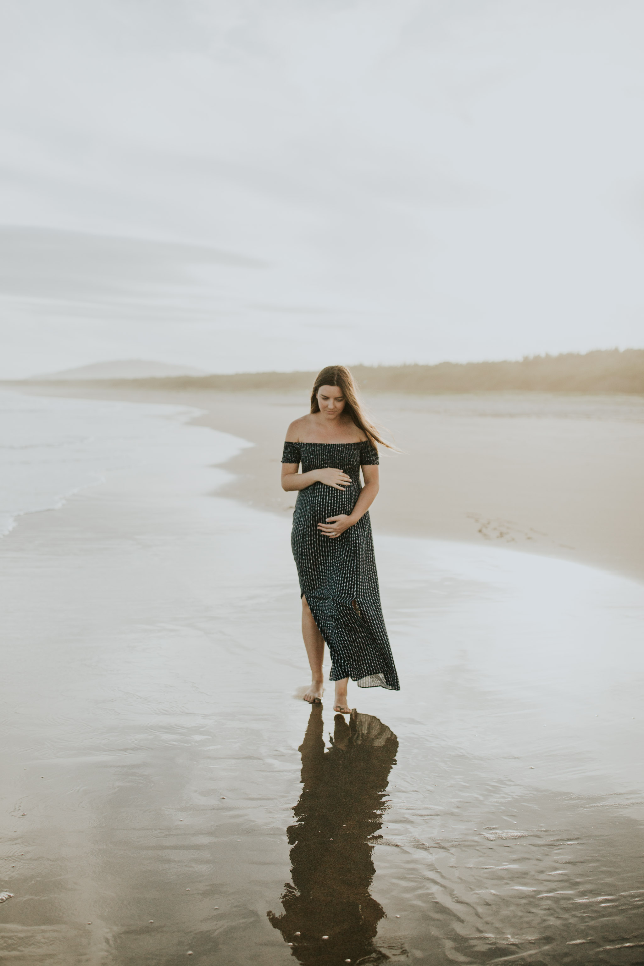 AMY+ANDREW+SHOALHAVEN+HEADS+BEACH+MATERNITY+SESSION+CANDID-13.jpg