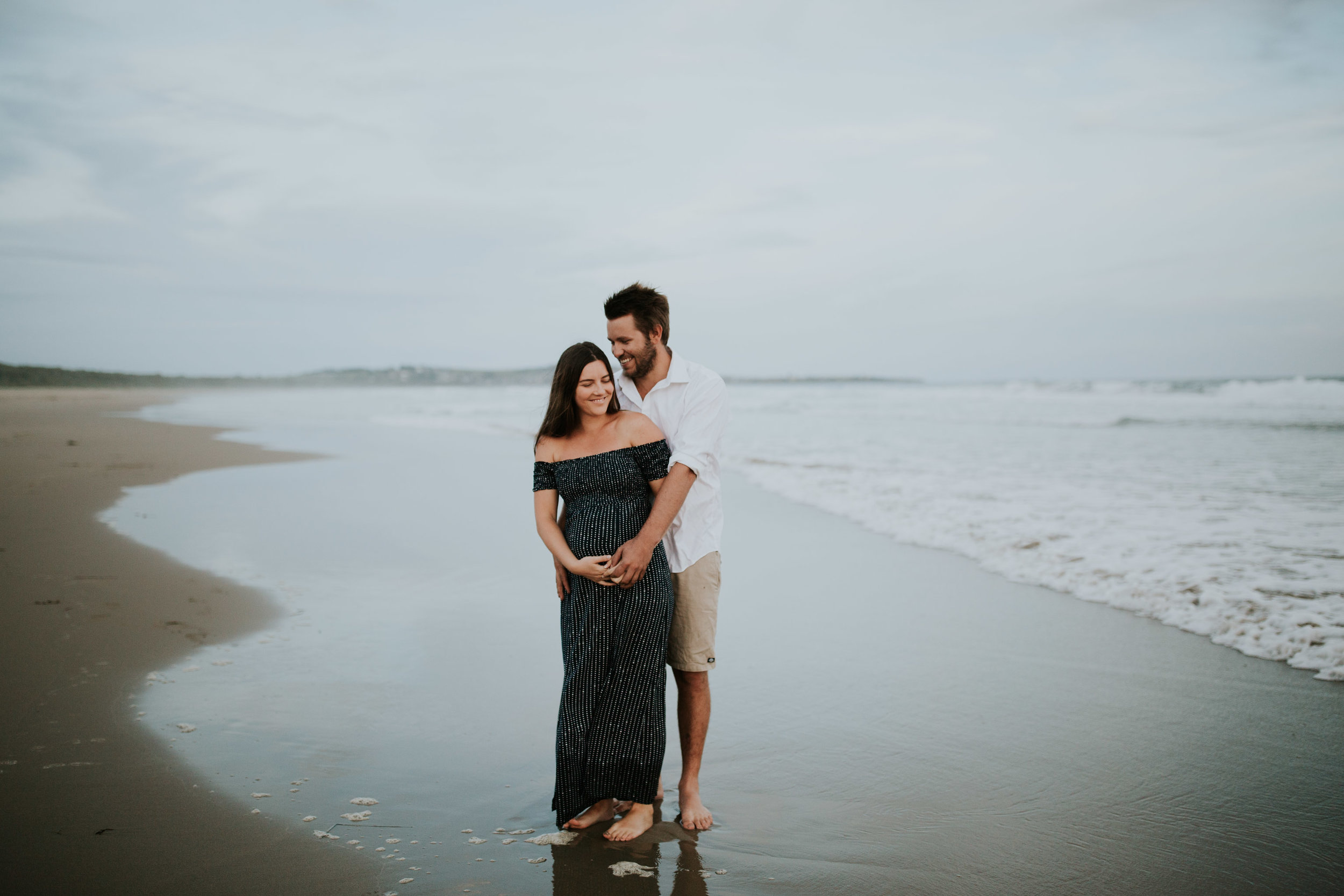 AMY+ANDREW+SHOALHAVEN+HEADS+BEACH+MATERNITY+SESSION+CANDID-29.jpg