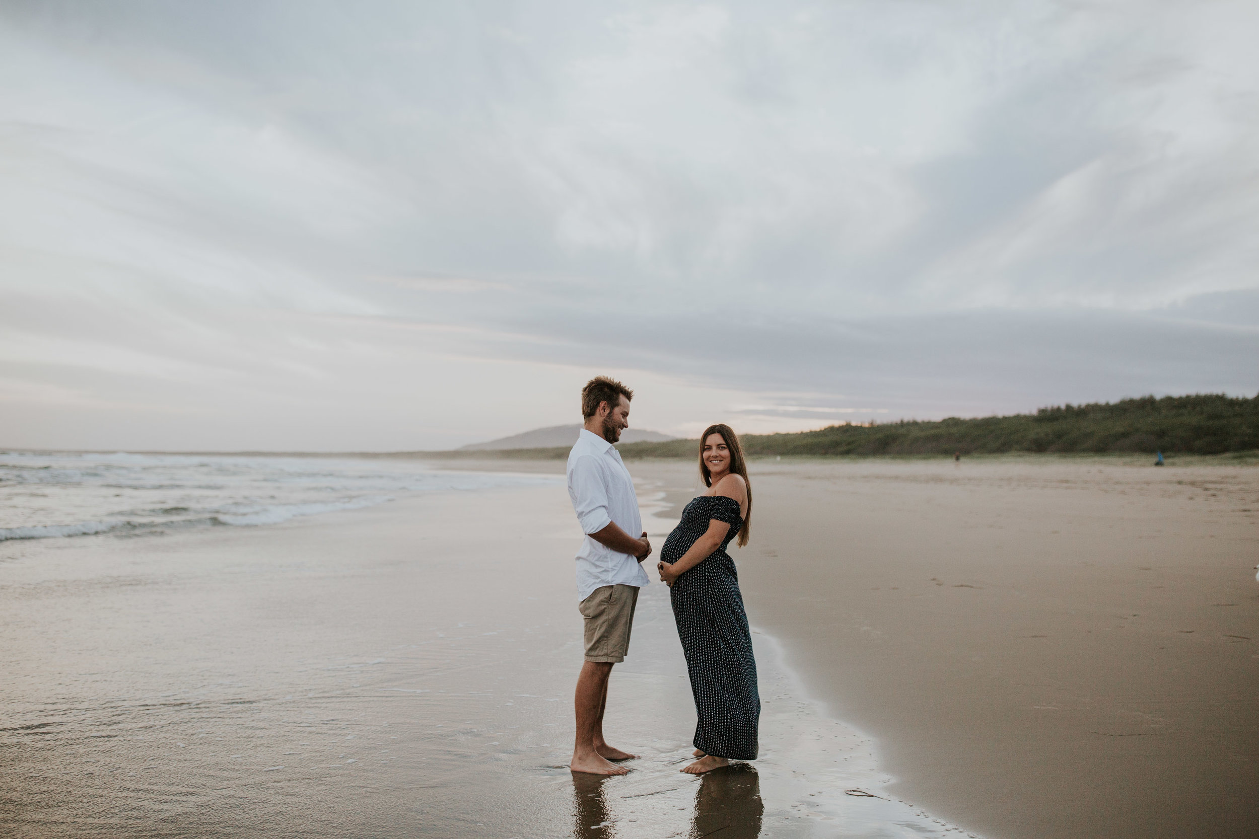 AMY+ANDREW+SHOALHAVEN+HEADS+BEACH+MATERNITY+SESSION+CANDID-33.jpg