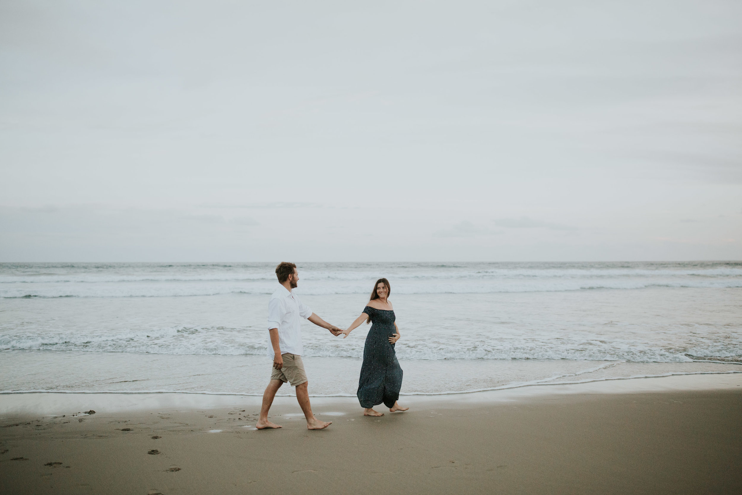 AMY+ANDREW+SHOALHAVEN+HEADS+BEACH+MATERNITY+SESSION+CANDID-40.jpg