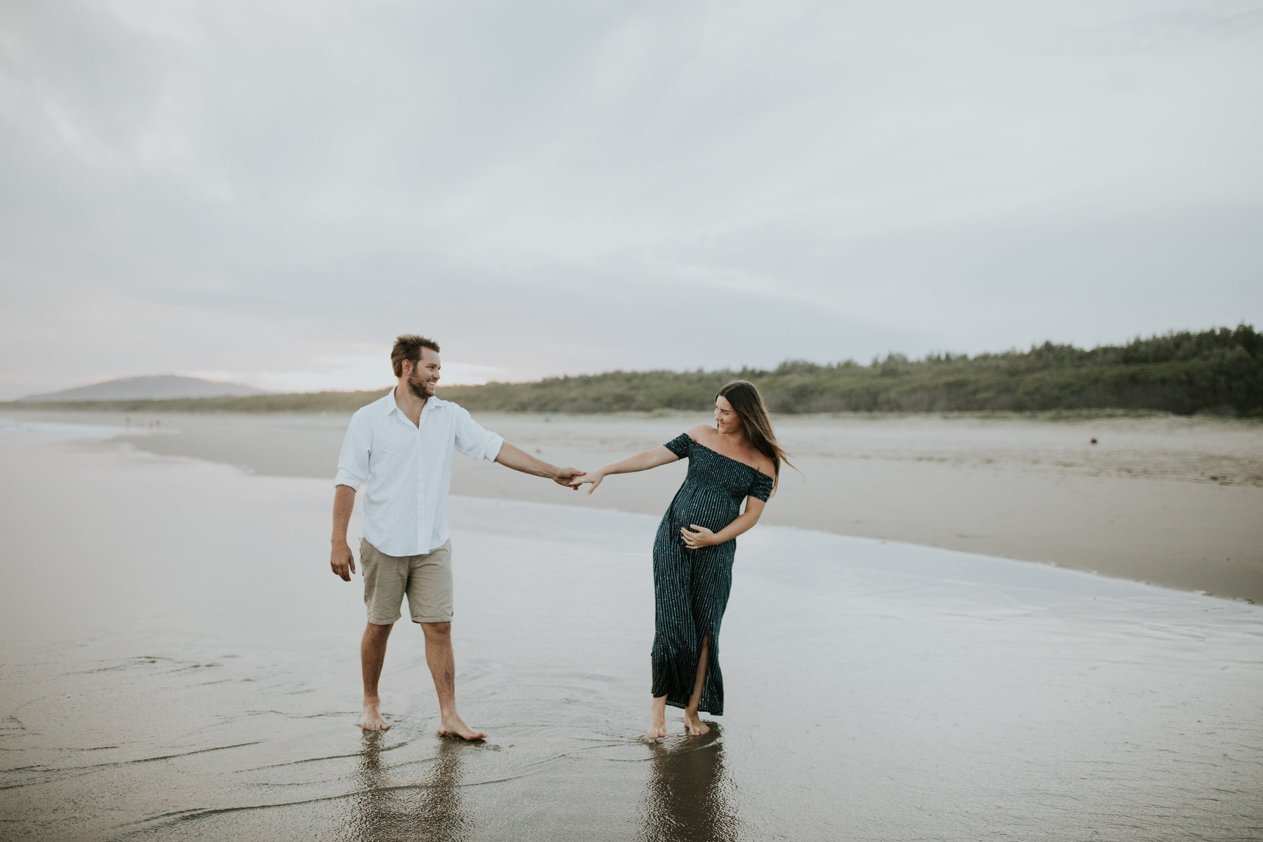 AMY+ANDREW+SHOALHAVEN+HEADS+BEACH+MATERNITY+SESSION+CANDID-41.jpg