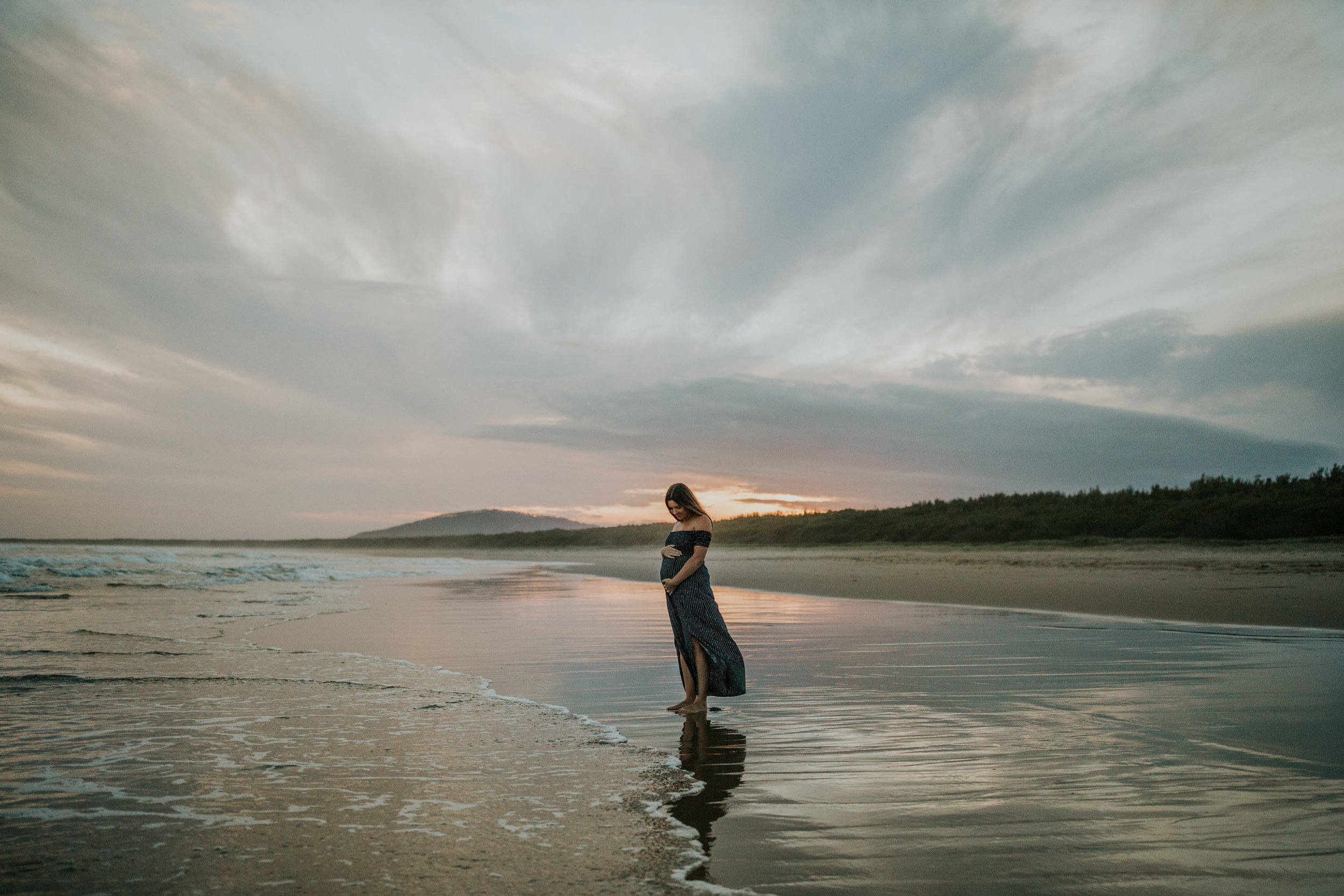 AMY+ANDREW+SHOALHAVEN+HEADS+BEACH+MATERNITY+SESSION+CANDID-43.jpg