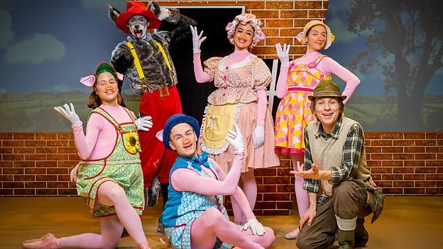 The Three Little Pigs, filmed in Victoria Theatre Halifax   45 minutes, 2014
