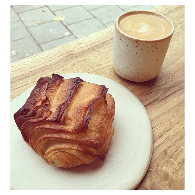 🥐☕️🥐☕️🥐☕️🥐☕️ Our good friends @pophamsbakery are officially open! 👏🏼👏🏼👏🏼 Croissants | Sourdough | Coffee + Beautiful craftsmanship and design by @tataraworkshop @jessjos @oliviaelias • • #morning #london #coffee #barista #baker #bakery #croissant #sourdough #carpenter #sensei #kanna #woodwork #design #independent #friends #project #collaboration #newkids #waves #islington #hackney #proud