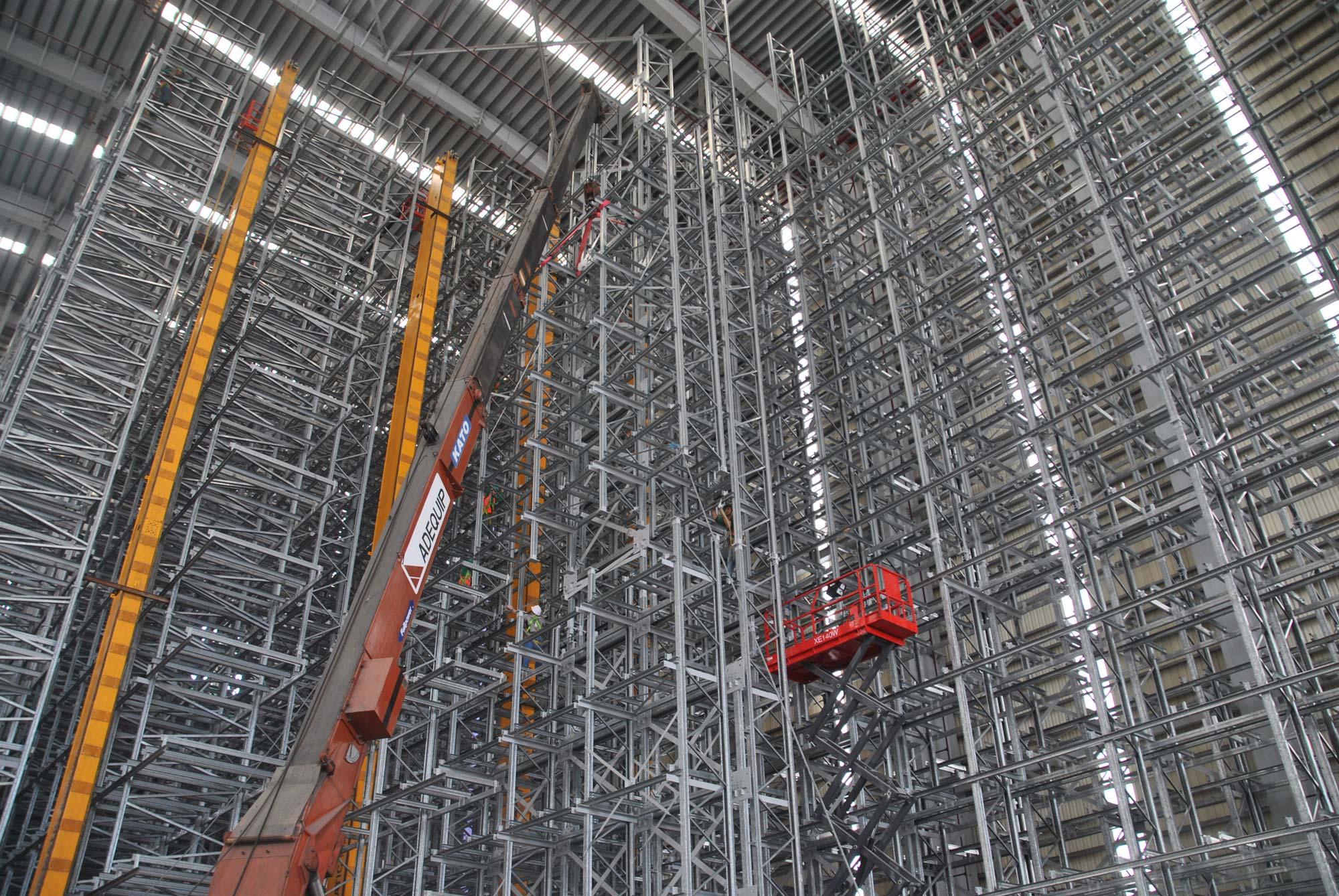 INDUSTRIAL - WarehousesSteel storage rackingFactoriesHigh bay warehousesClad-rack structures