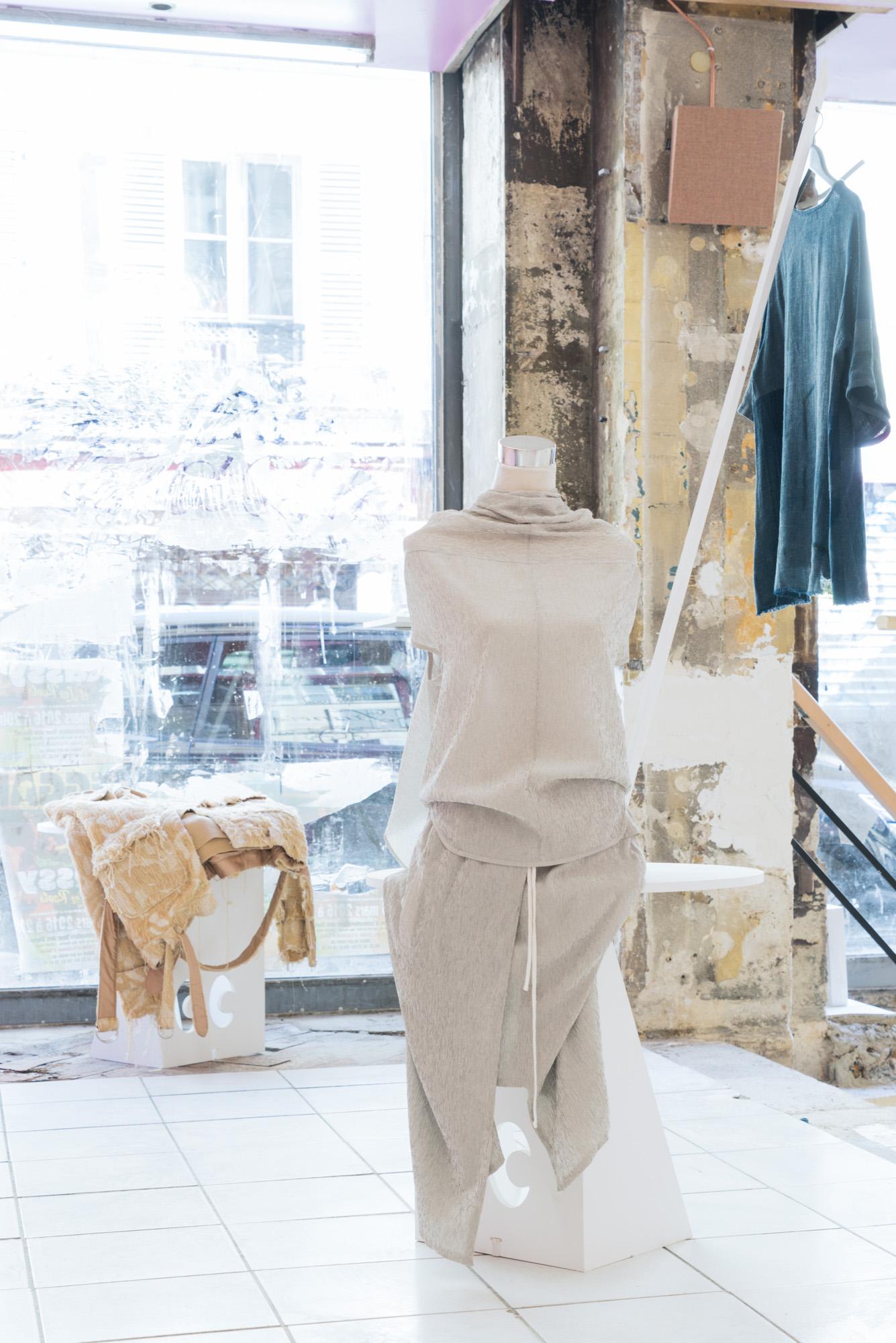 say hi to_ The Community | Paris | Art Gallery