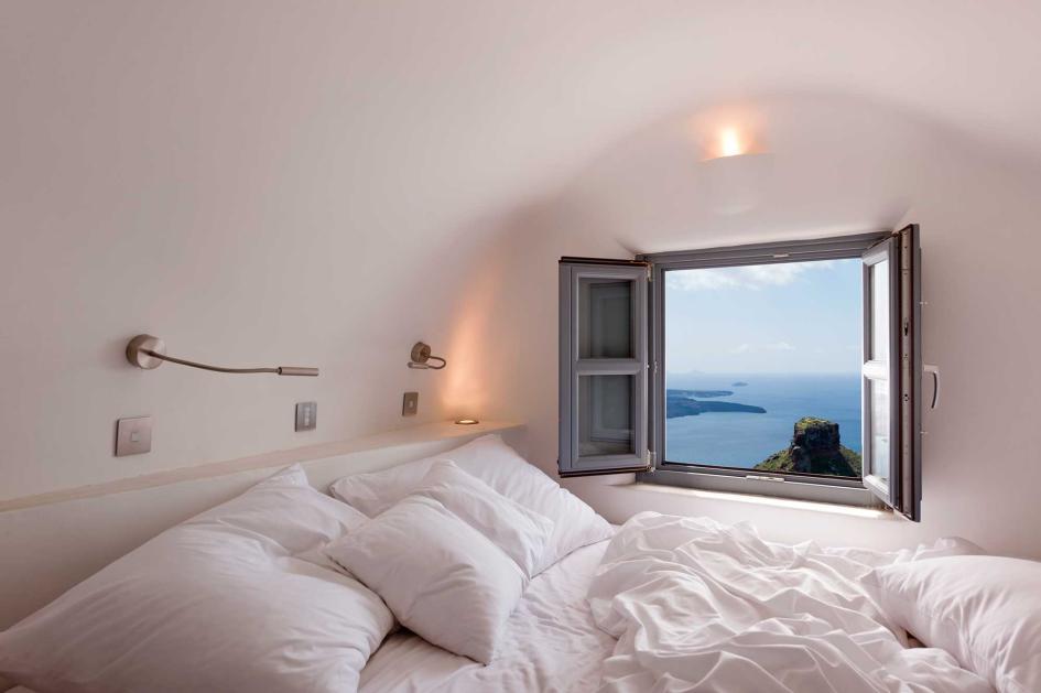 say hi to_ Santorini