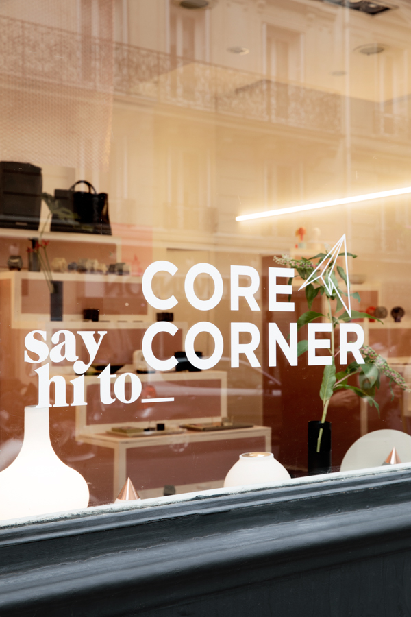 say hi to_ Corea Corner / photo by Valentin Fougeray