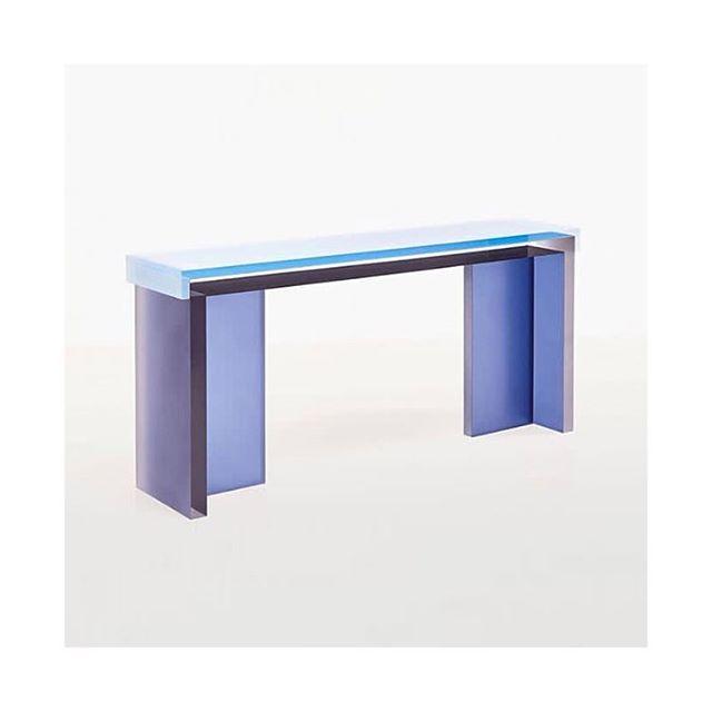 Studio Ashby | United Kingdom | Furniture Design @studioashby . . . . . . . . . . . . #studioashby #london #unitedkingdom #sayhito_unitedkingdom #collectibledesign #furnituredesign #desk #bureau #resin #resinfurniture #transparentfurniture #designfurniture