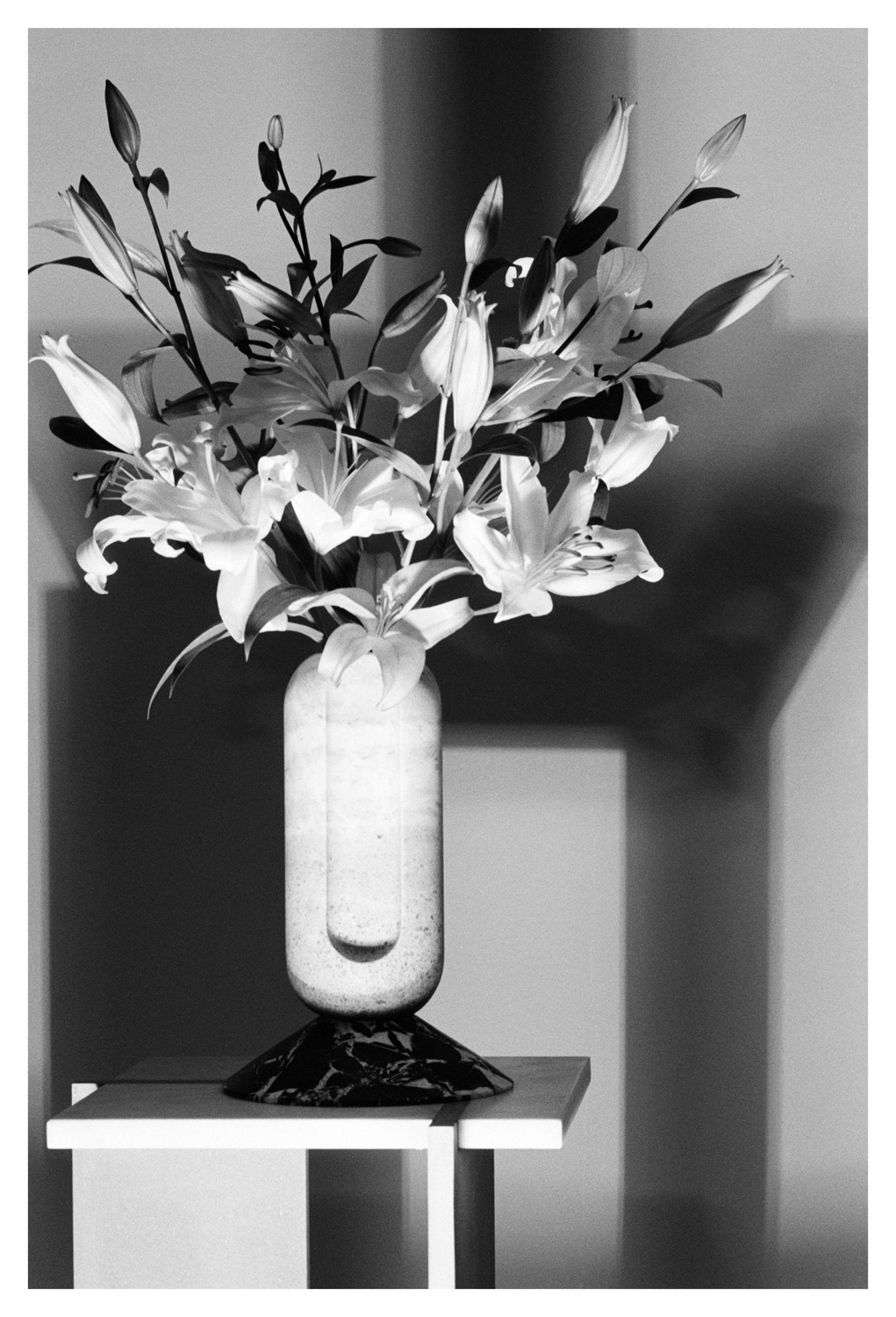 say hi to Valentina Cameranesi collectable object Avalon collection vase and set design Italy